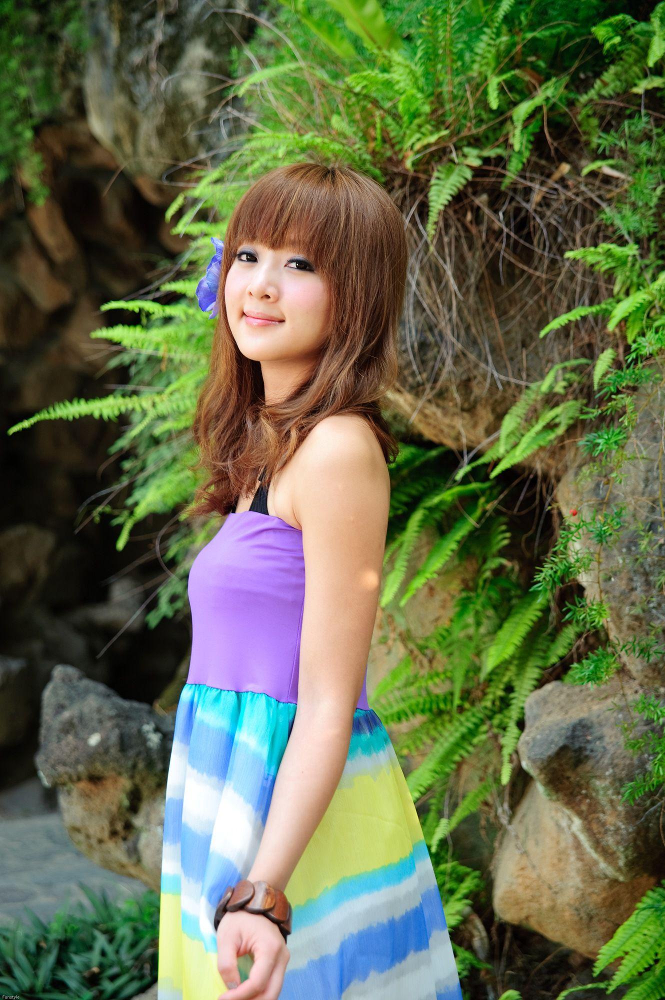 VOL.582 [台湾正妹]长裙极品清新唯美正妹:张凯洁(张允霏,果子MM)高品质写真套图(124P)