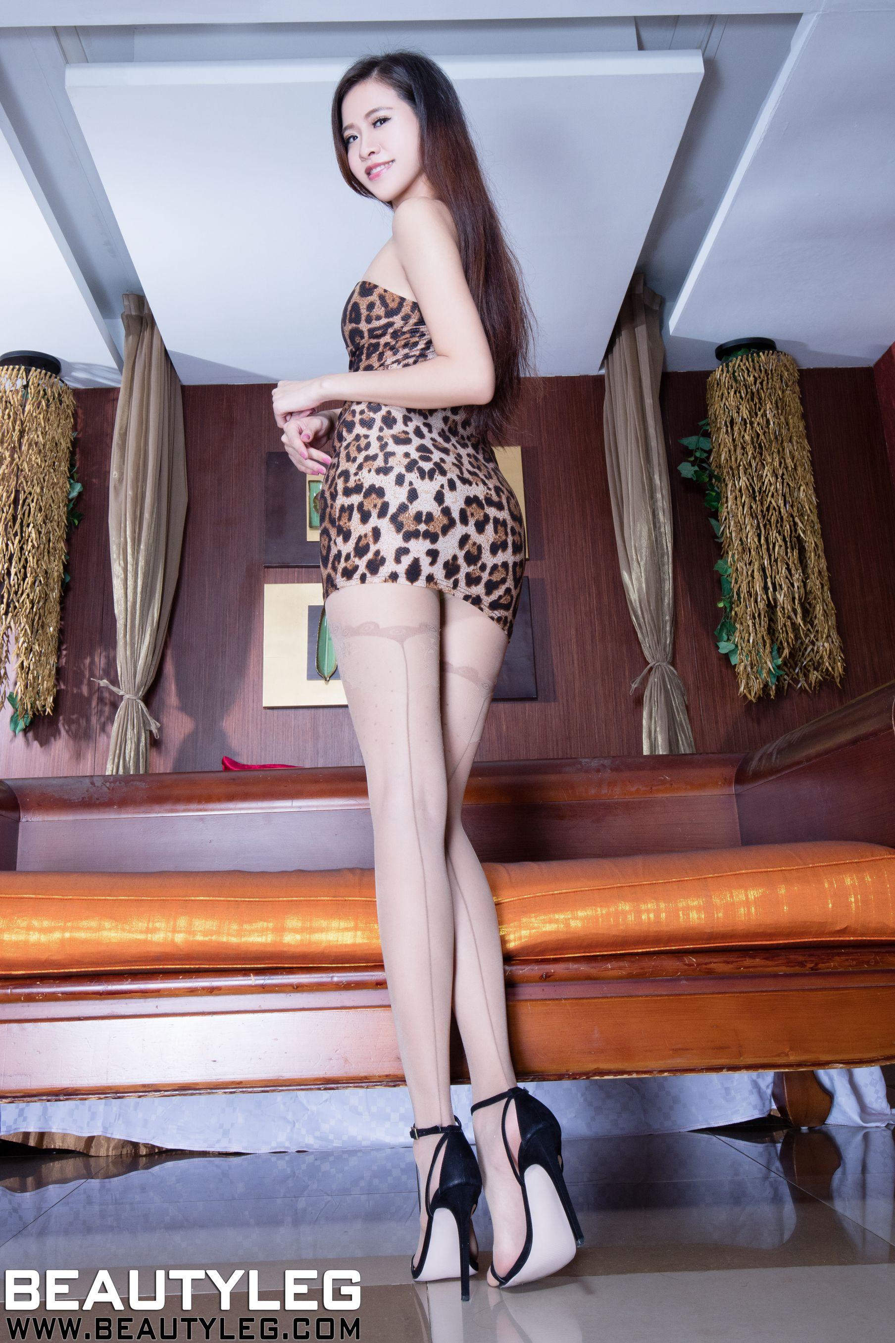 VOL.444 [Beautyleg]丝袜美女:张欣慈(腿模Olivia)高品质写真套图(54P)
