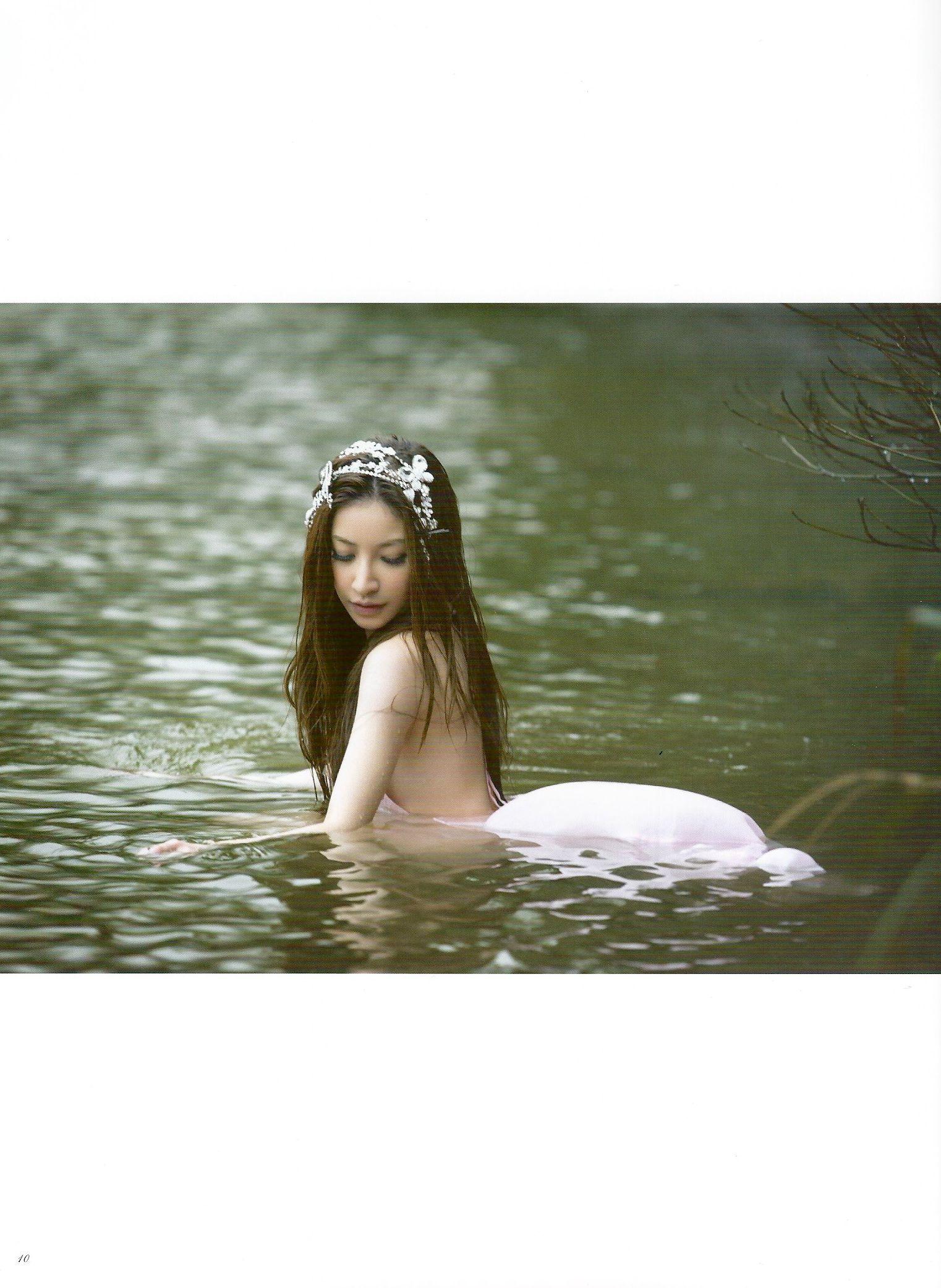 VOL.503 [网络美女]嫩模惊艳B罩杯美女:许维恩(Sharon)高品质写真套图(97P)