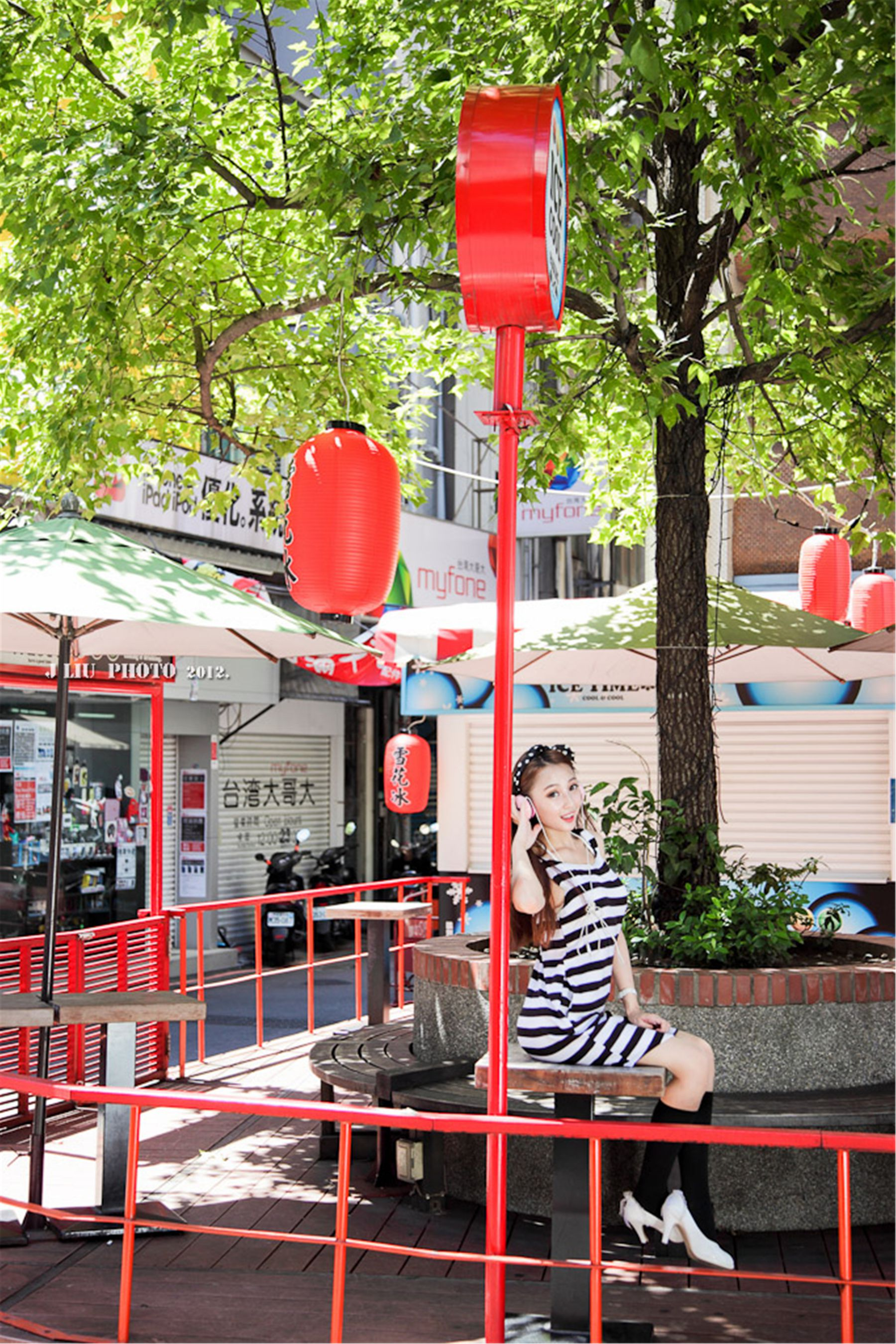 VOL.432 [台湾正妹]可爱清纯甜美街拍:Barbie高品质写真套图(42P)