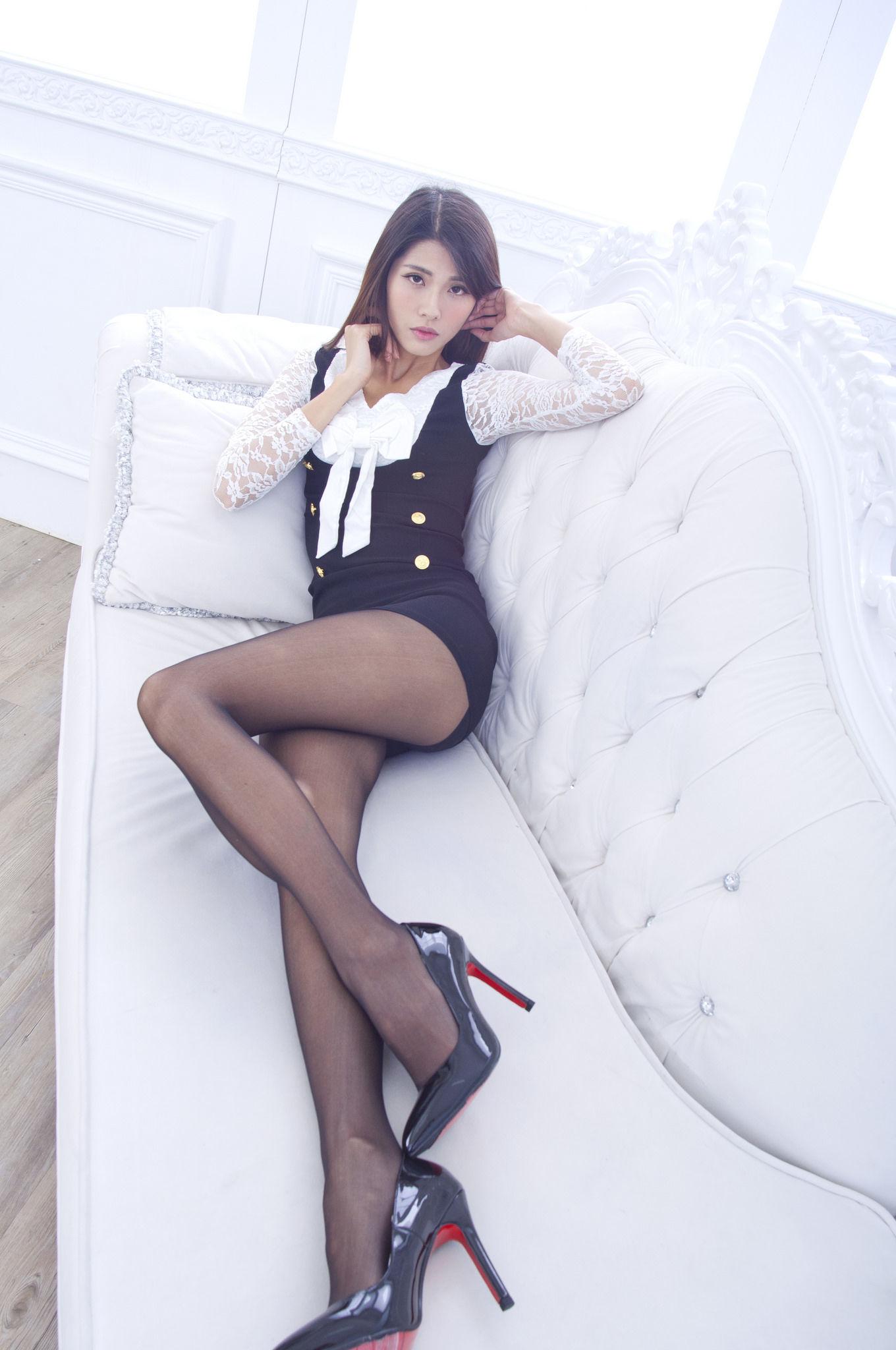 VOL.1349 [台湾正妹]黑丝长腿美女:林沐沐(Joanna沐沐)超高清个人性感漂亮大图(38P)