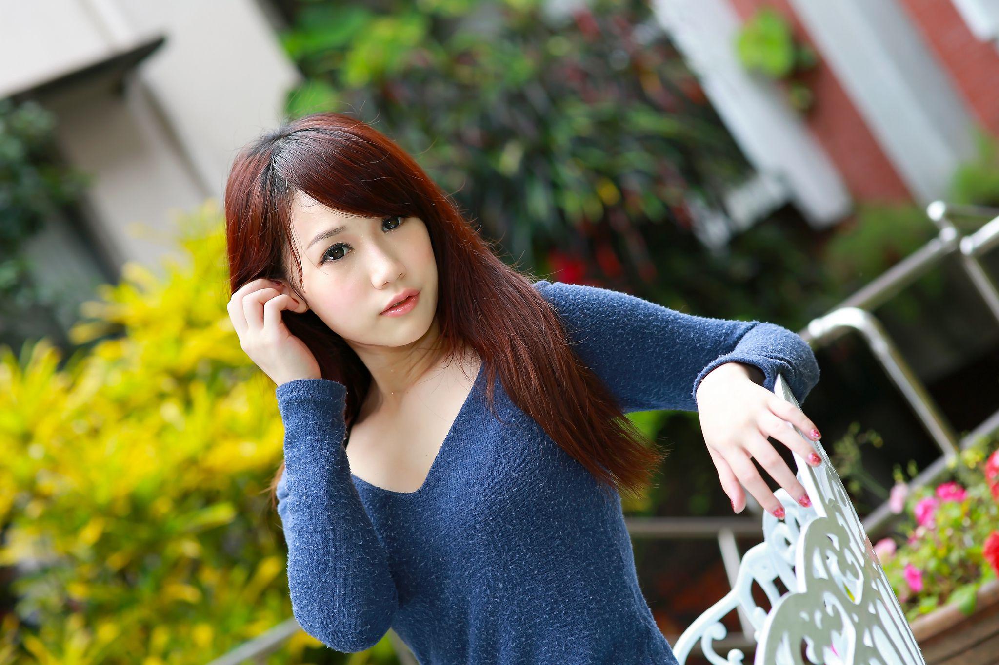 VOL.220 [台湾正妹]街拍妹子:小容高品质写真套图(21P)