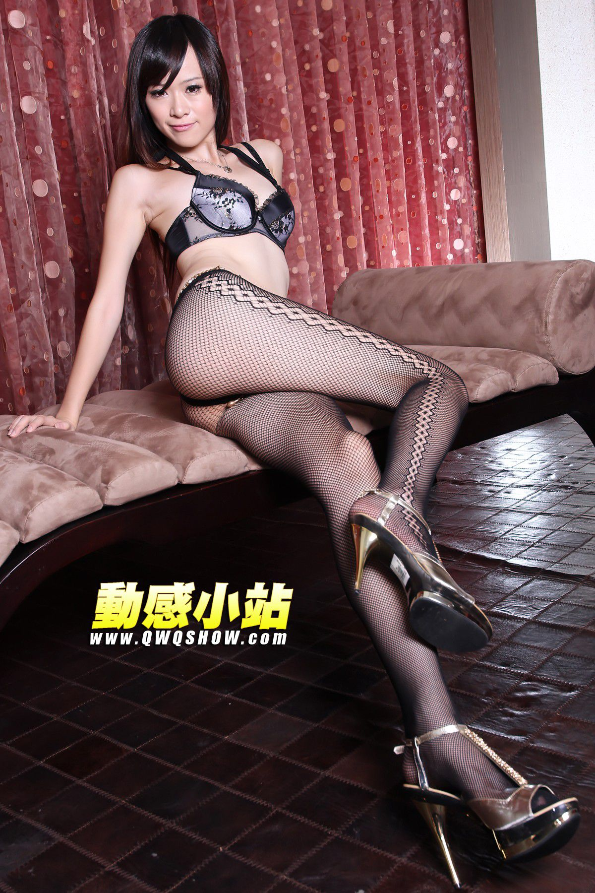 VOL.33 [动感之星]内衣美女网袜:动感小站娜娜(动感之星娜娜)高品质写真套图(57P)