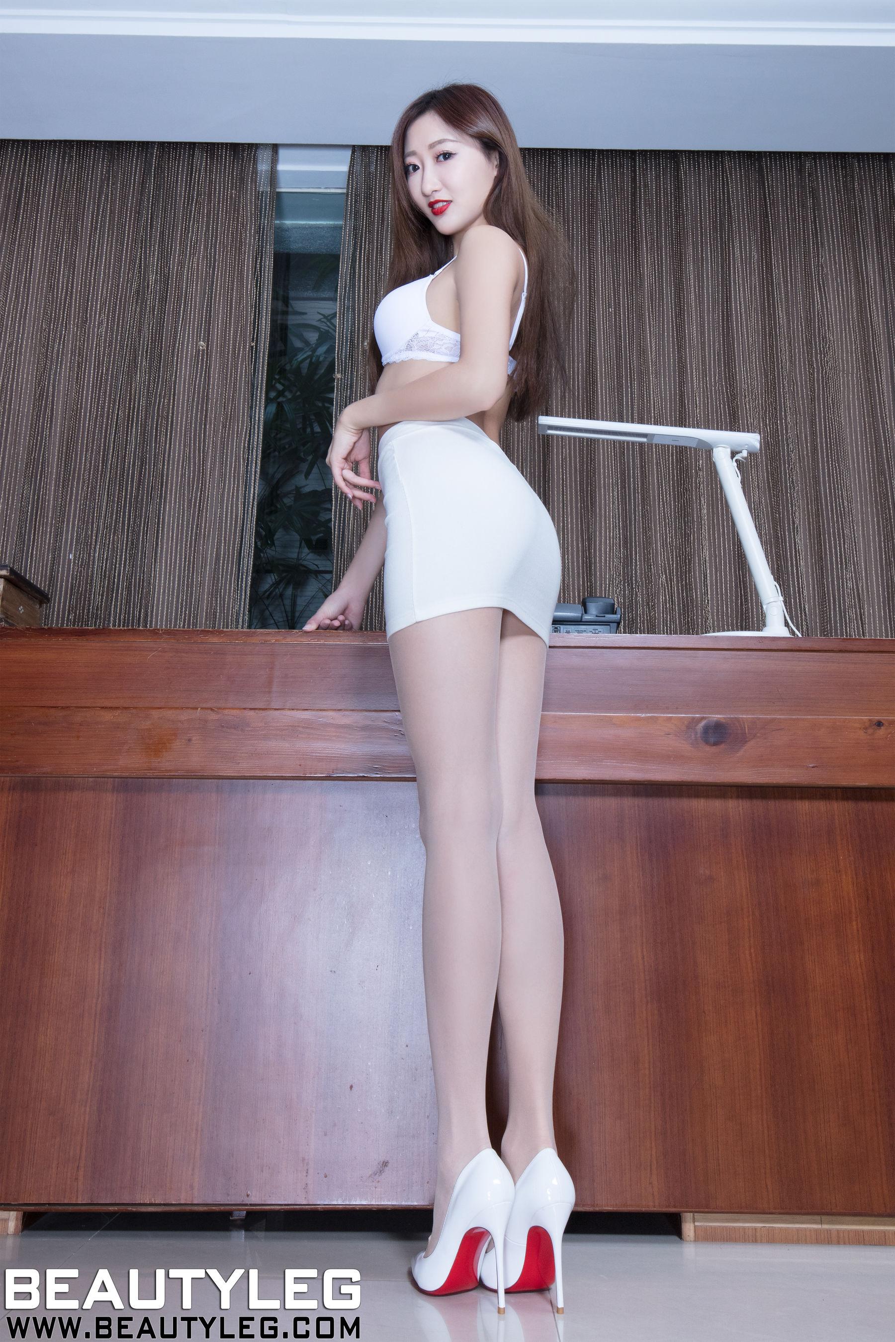 VOL.1327 [Beautyleg]丝袜美腿腿模长腿美女:腿模Minnie(Minnie)高品质写真套图(51P)