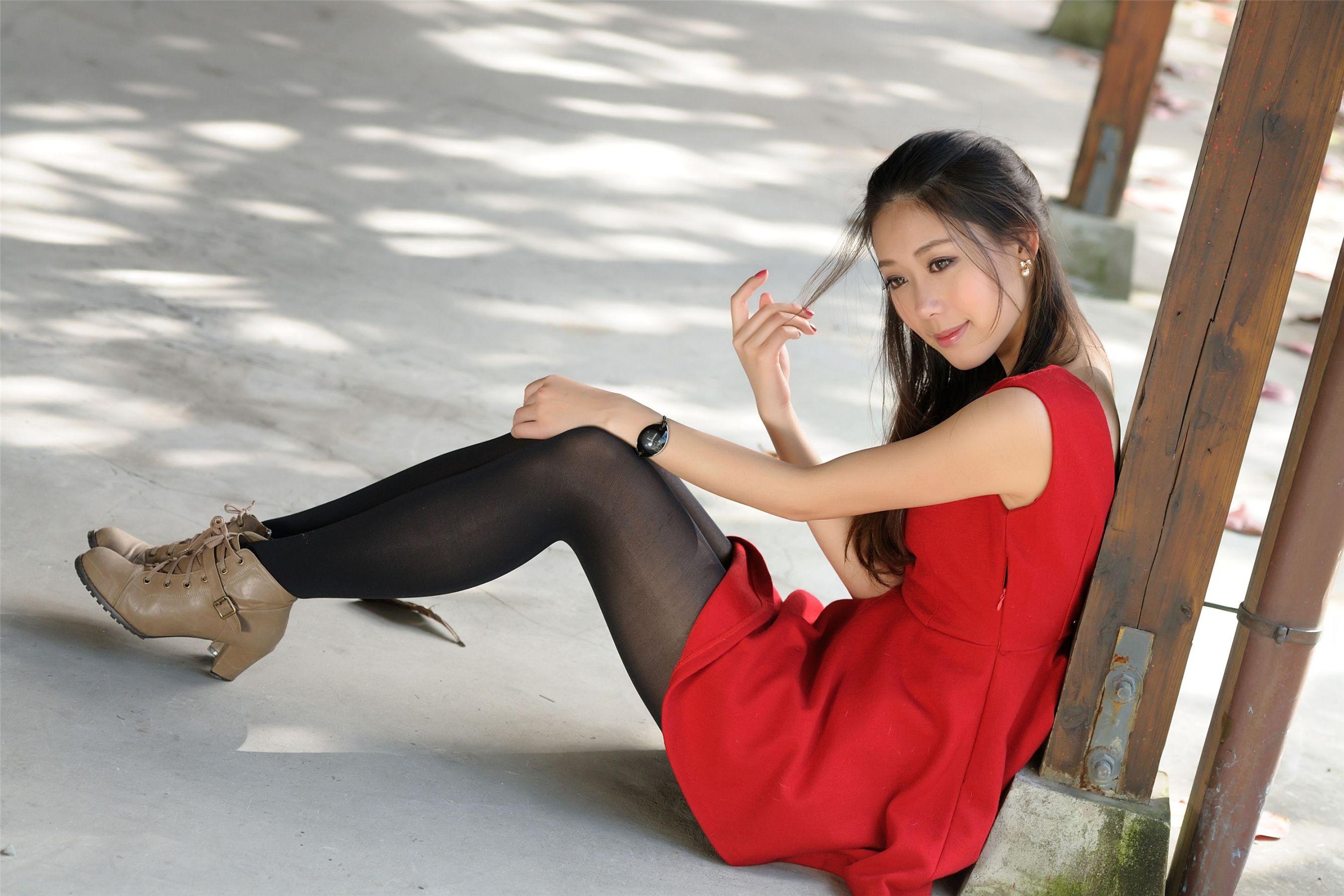 VOL.1430 [台湾正妹]清纯甜美女神正妹优雅美女长发美女:佳贝儿高品质写真套图(40P)