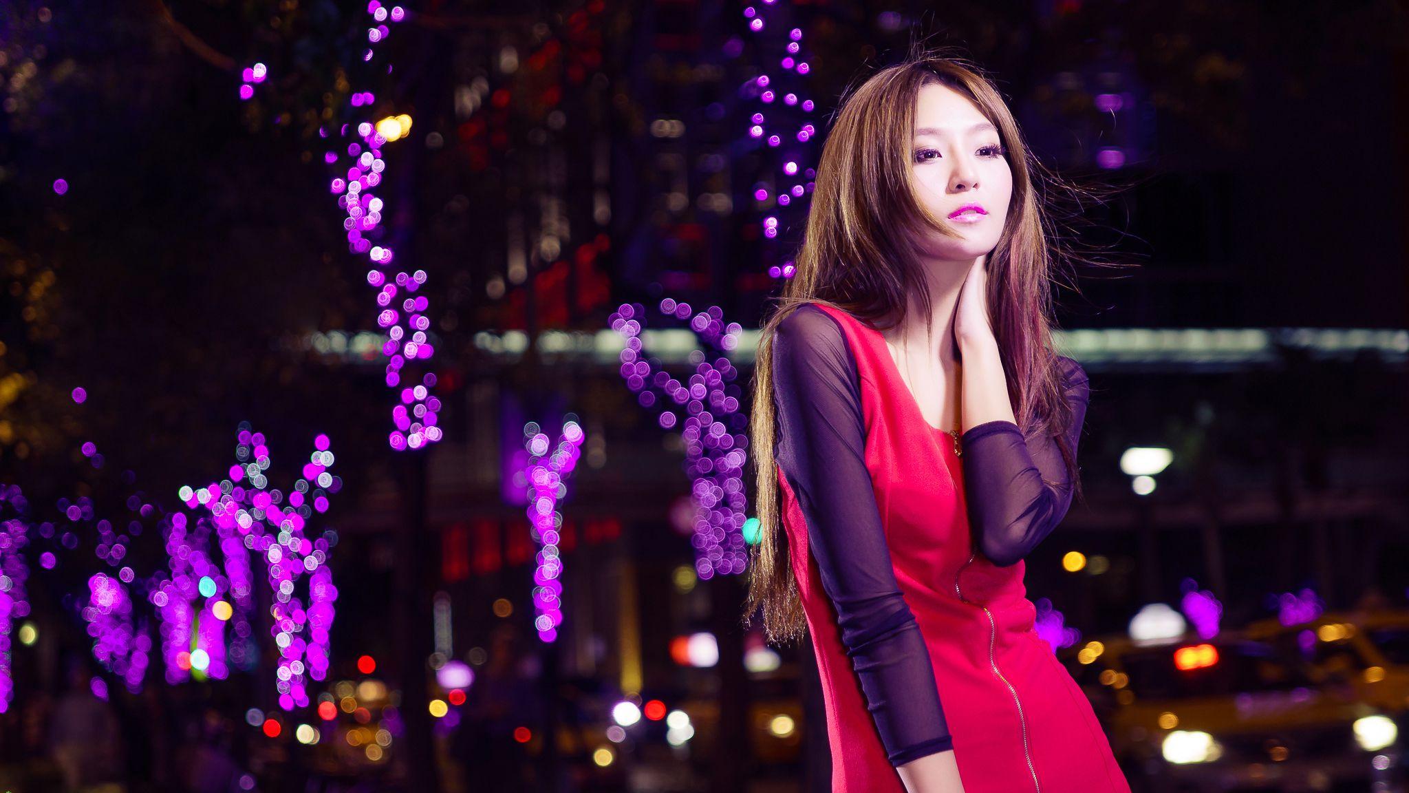 VOL.351 [网络美女]超短裙街拍:Winnie小雪(庄咏惠,庄温妮,腿模Winnie)高品质写真套图(39P)