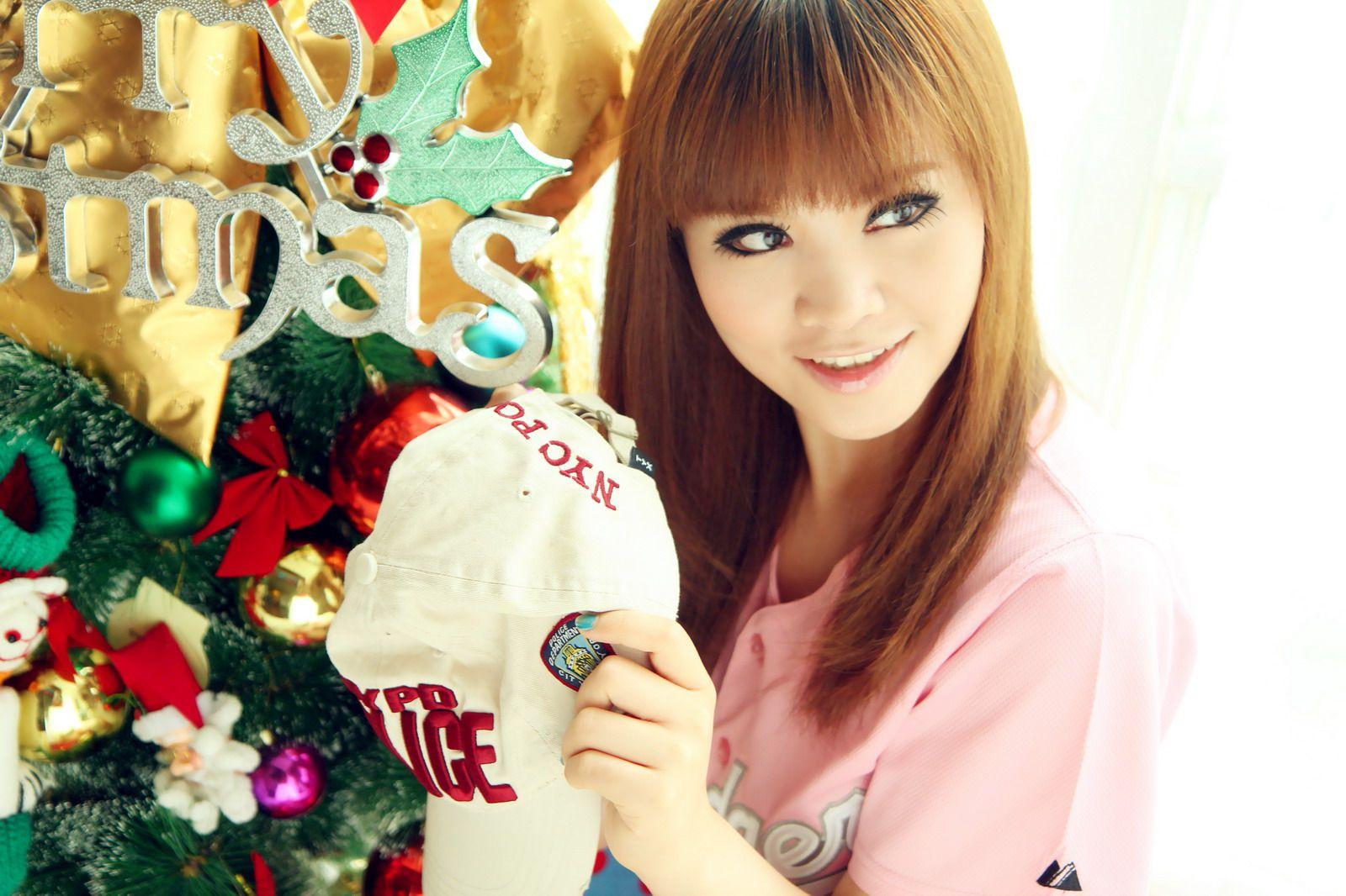 VOL.884 [台湾正妹]可爱妹子:艾绮恩高品质写真套图(43P)