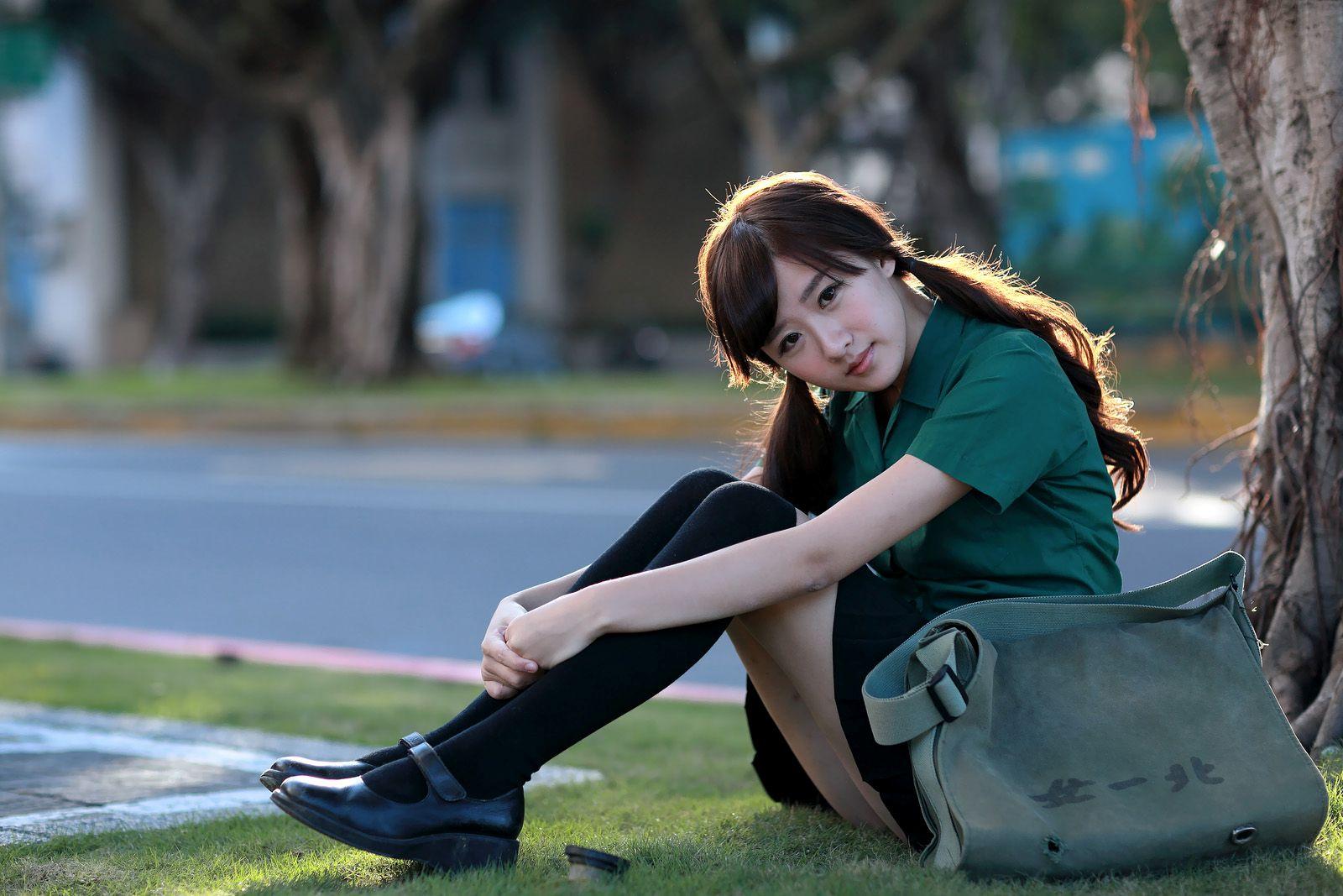 VOL.995 [网络美女]长筒袜校服可爱极品阳光正妹:李思娴高品质写真套图(76P)