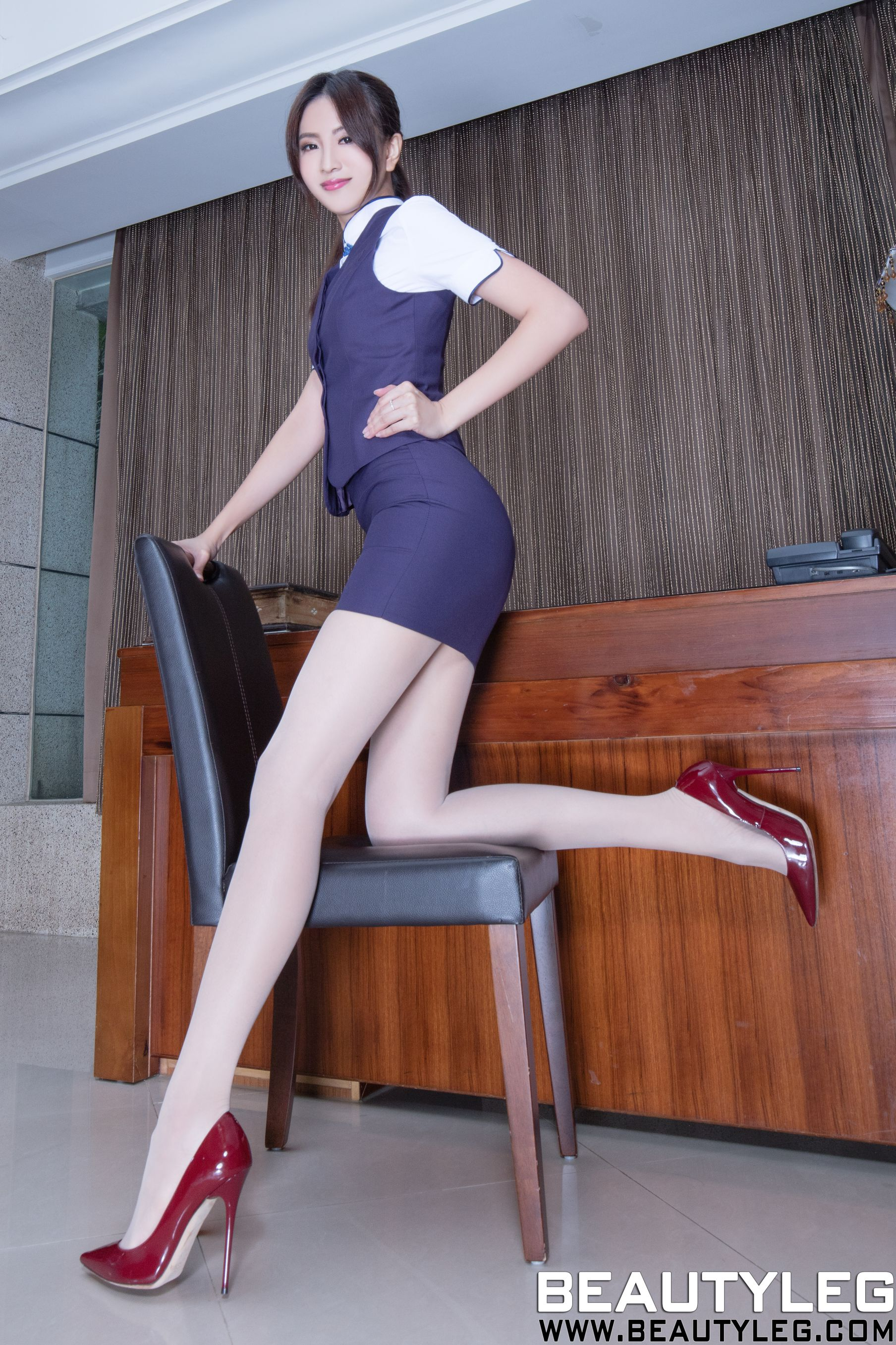 VOL.629 [Beautyleg]制服丝袜美腿:简晓育(腿模Vicni,晓育儿)高品质写真套图(61P)