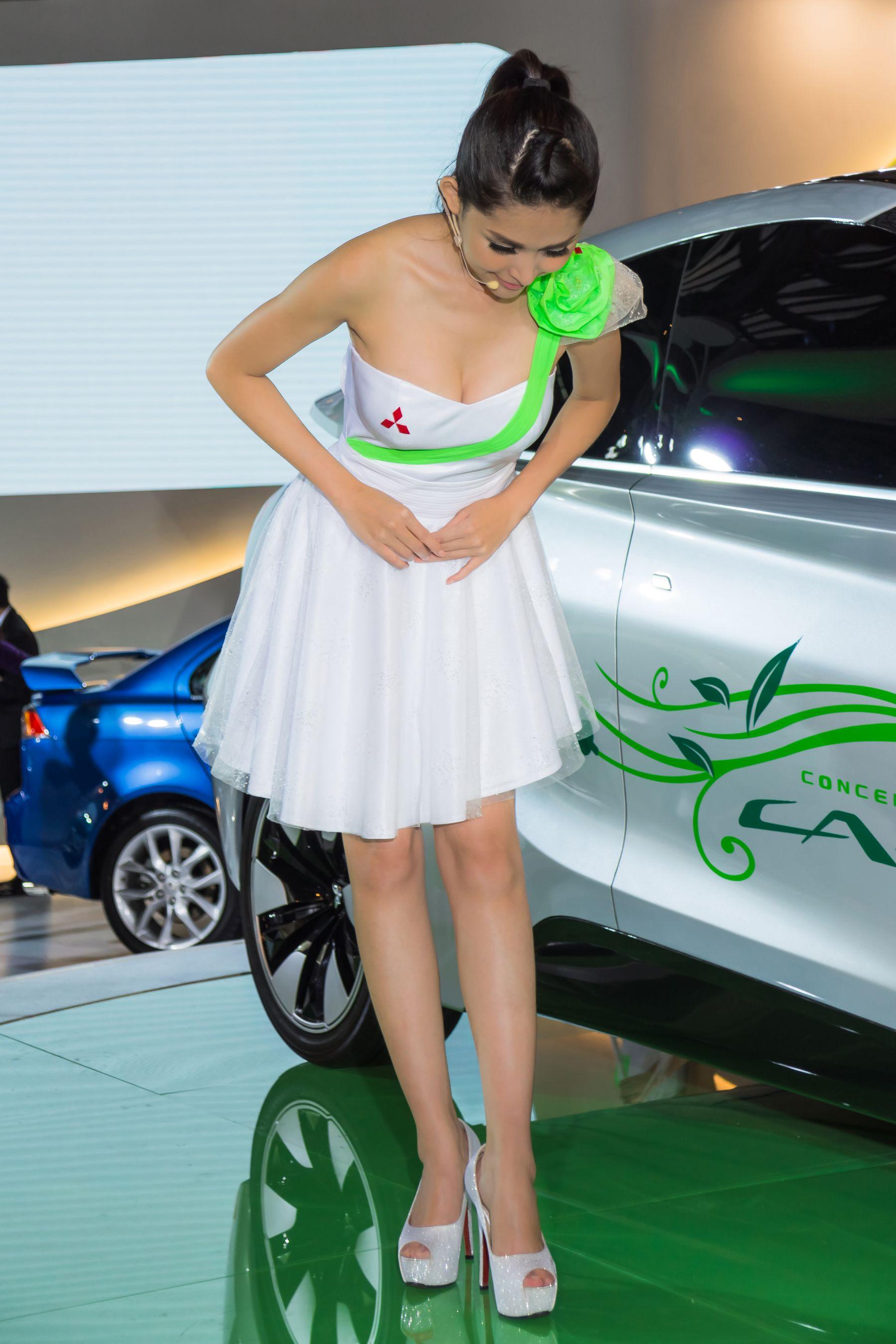 VOL.410 [台湾正妹]Show Girl车模:杜可薇(腿模Avy,恬小鱼)高品质写真套图(57P)