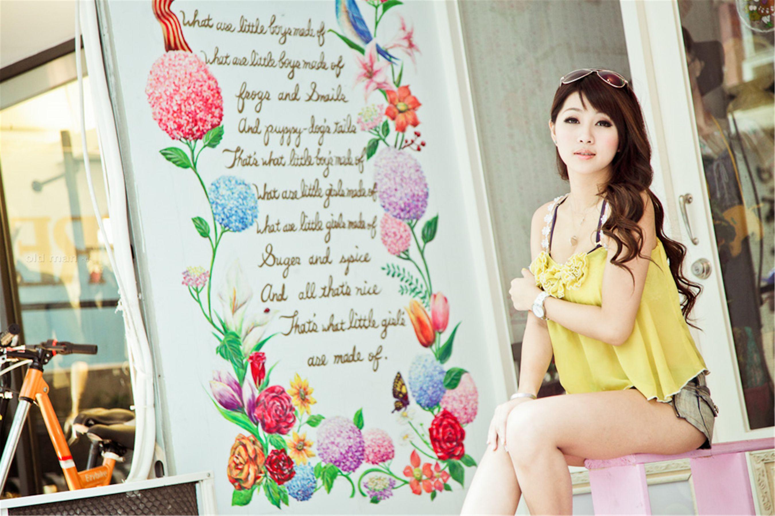 VOL.728 [台湾正妹]清纯甜美正妹:陈妘安(小雯Ivy)高品质写真套图(50P)