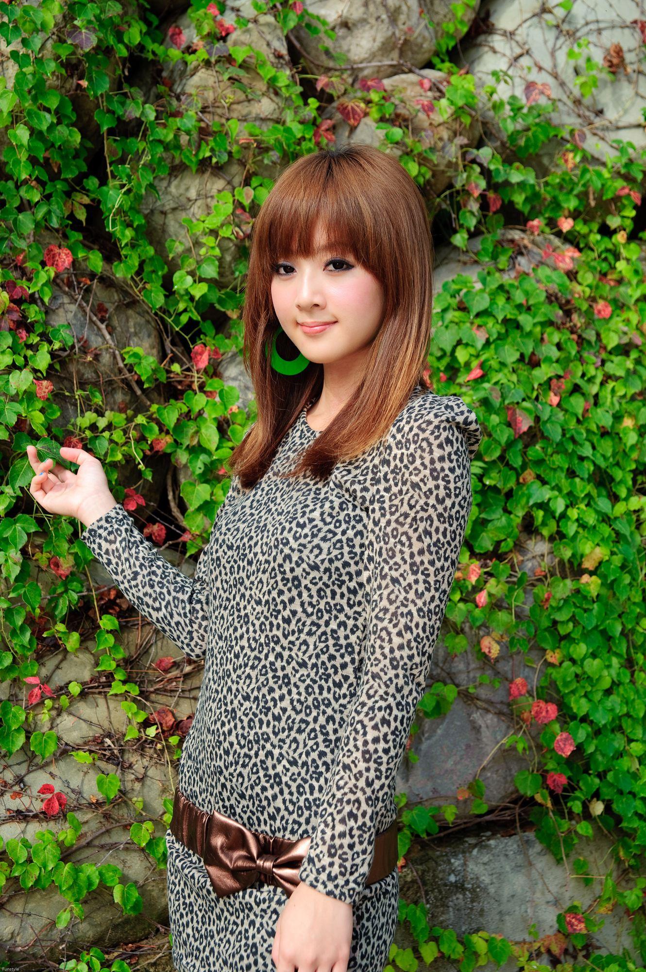 VOL.1705 [台湾正妹]外拍阳光正妹妹子:张凯洁高品质写真套图(74P)