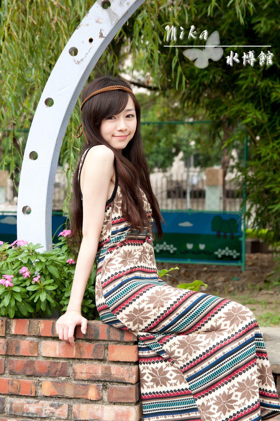 VOL.704 [台湾正妹]清纯甜美女神街拍:Mika高品质写真套图(107P)