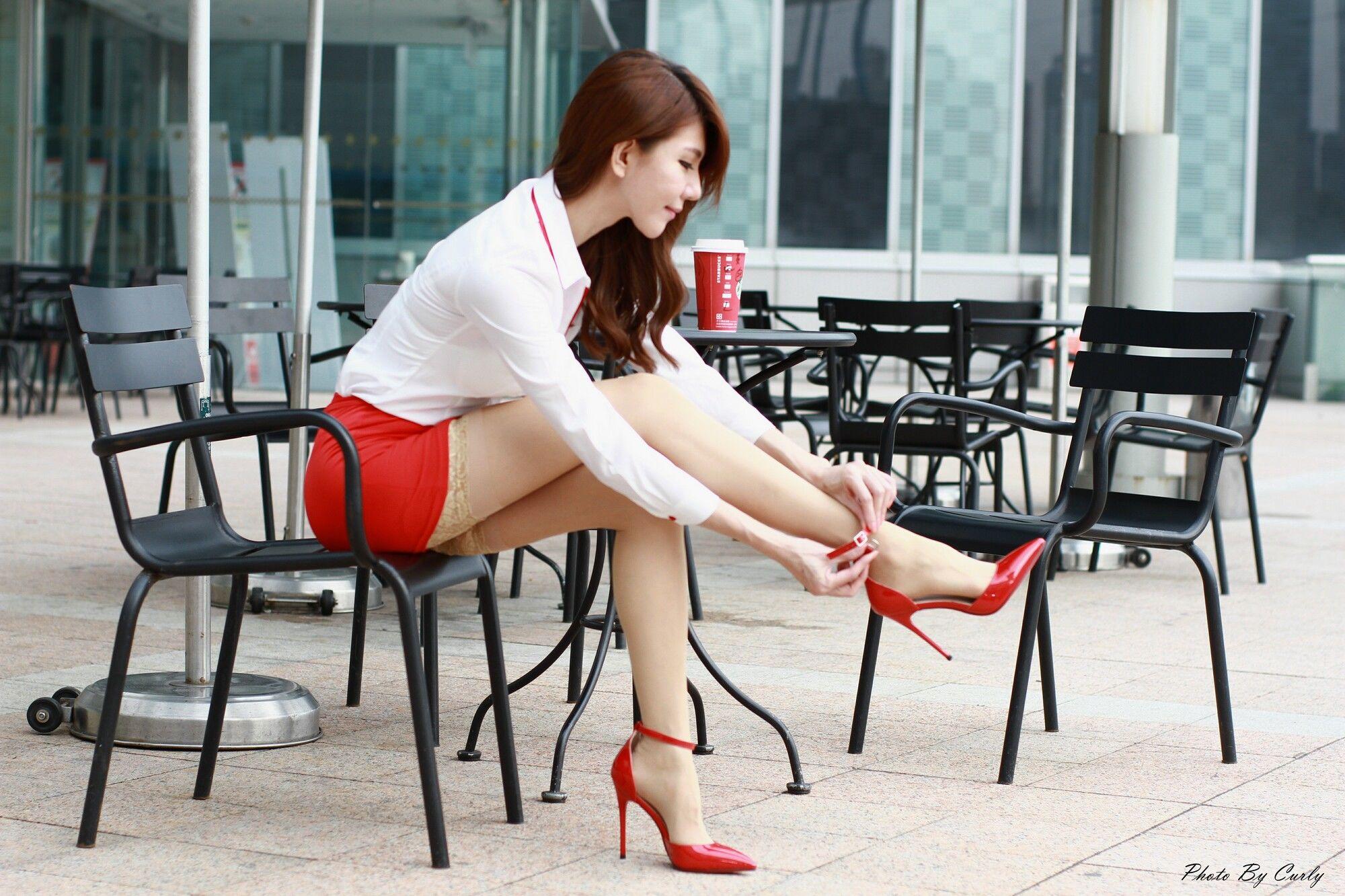 VOL.1249 [台湾正妹]肉丝袜OL美女长腿美女街拍美臀:黄淑华(腿模Maggie)超高清个人性感漂亮大图(64P)