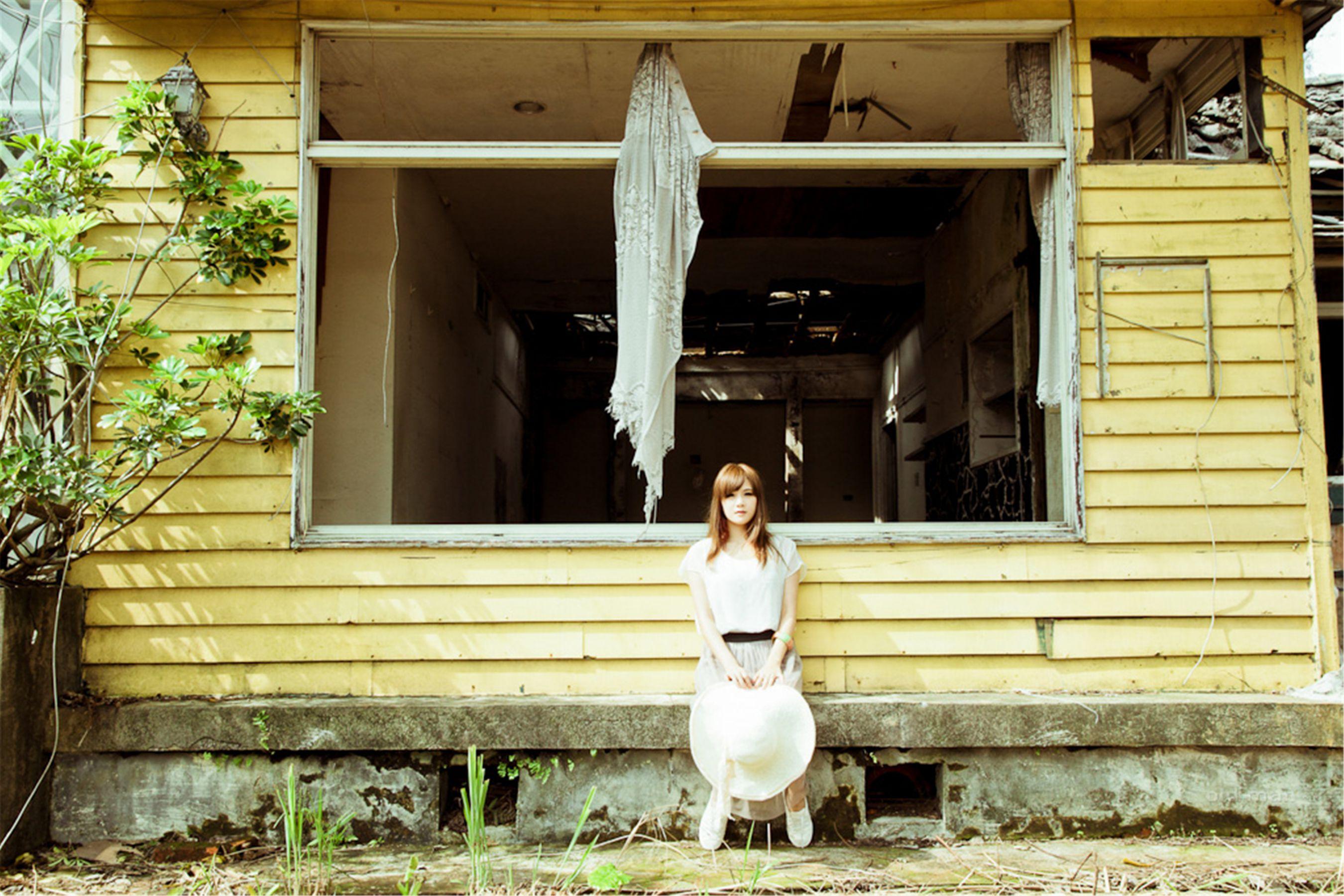 VOL.733 [台湾正妹]清纯甜美清新唯美阳光正妹:熊维妮高品质写真套图(45P)