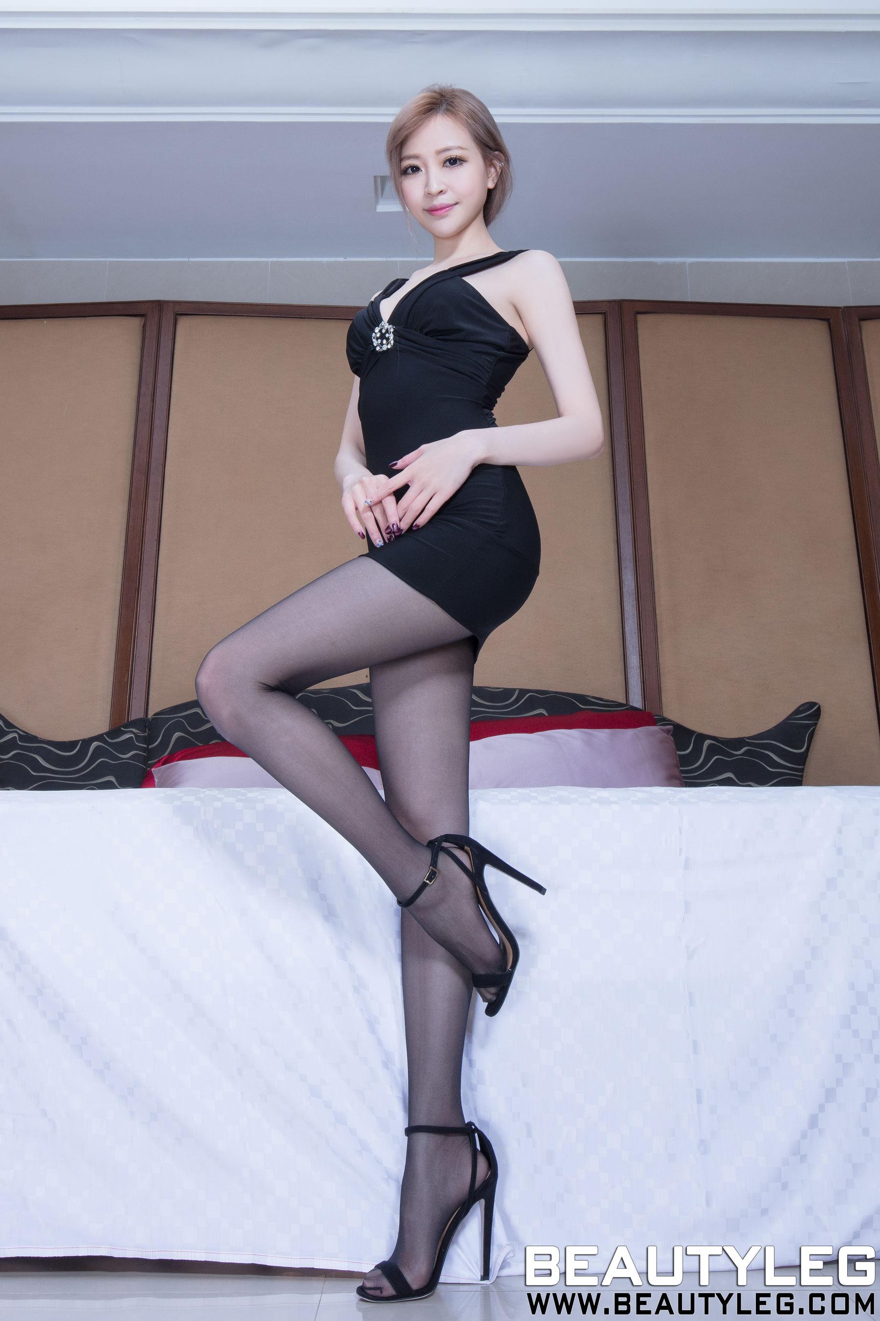 VOL.1585 [Beautyleg]丝袜美腿腿模优雅美女长腿美女黑丝制服:倪千凌(腿模Lucy,陈佳筠)高品质写真套图(38P)