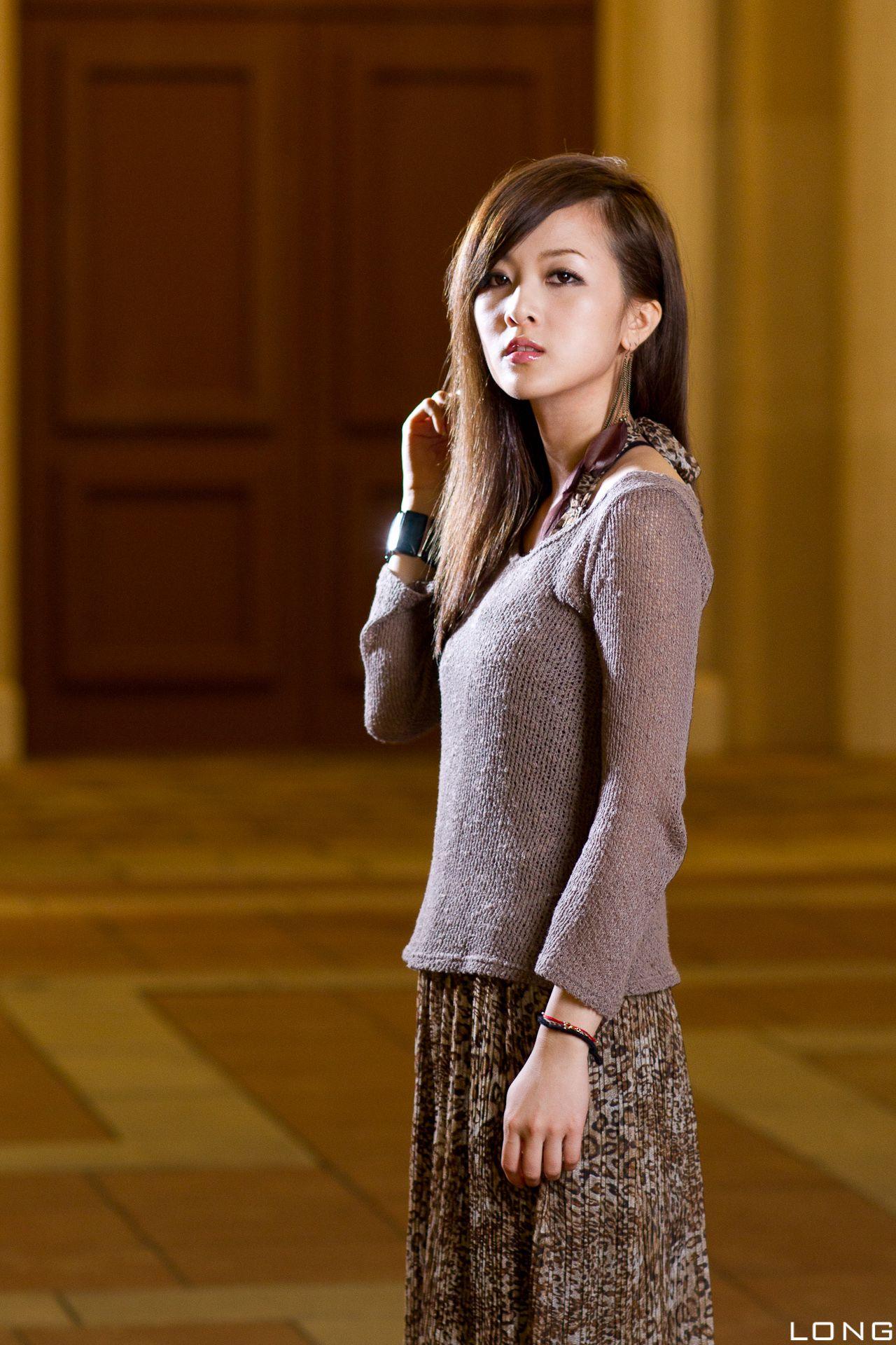 VOL.1671 [台湾正妹]长裙气质街拍:张凯洁(张允霏,果子MM)高品质写真套图(76P)