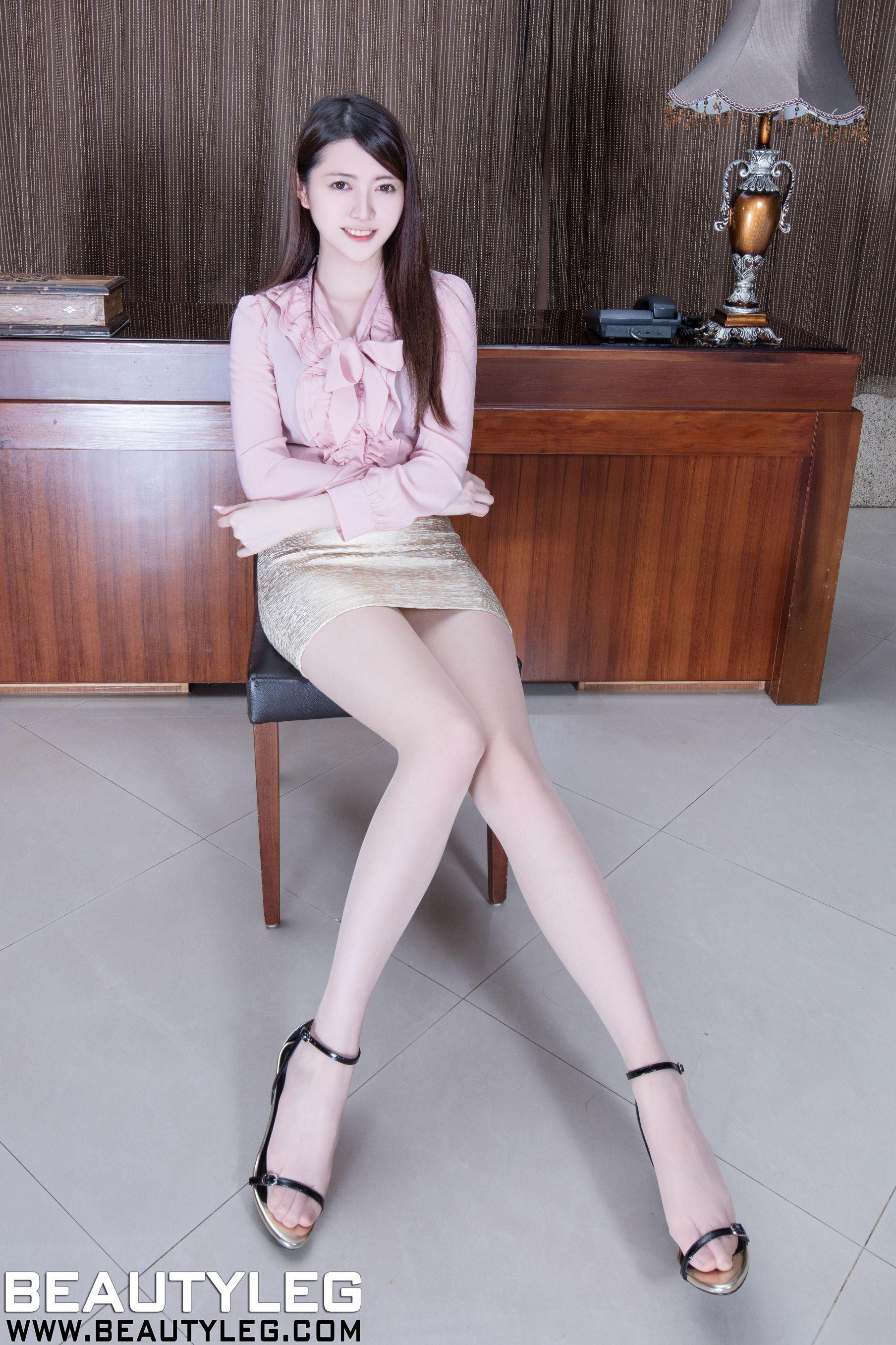 VOL.934 [Beautyleg]丝袜美腿长腿美女:黄品瑄(腿模Brindy)高品质写真套图(45P)