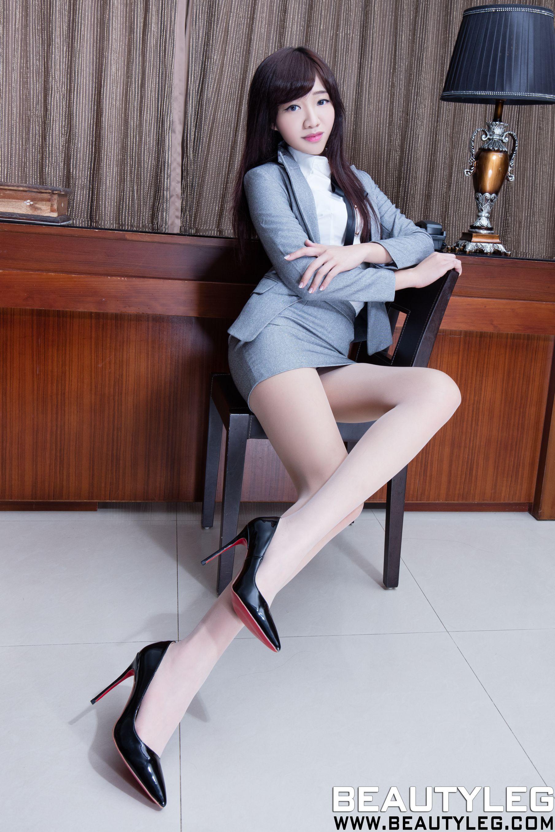 VOL.720 [Beautyleg]丝袜美腿:欣洁(腿模Celia)高品质写真套图(46P)