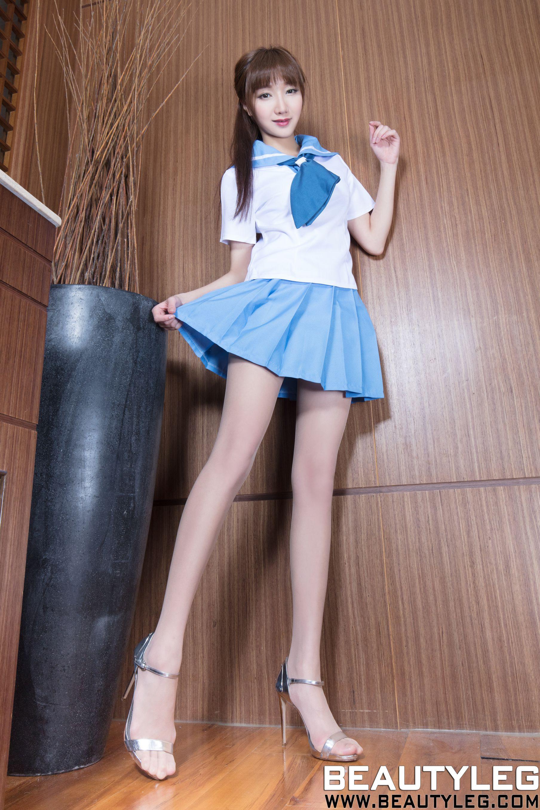 VOL.440 [Beautyleg]水手服高跟美腿学生装:陈思婷(腿模Tina,李霜)高品质写真套图(38P)