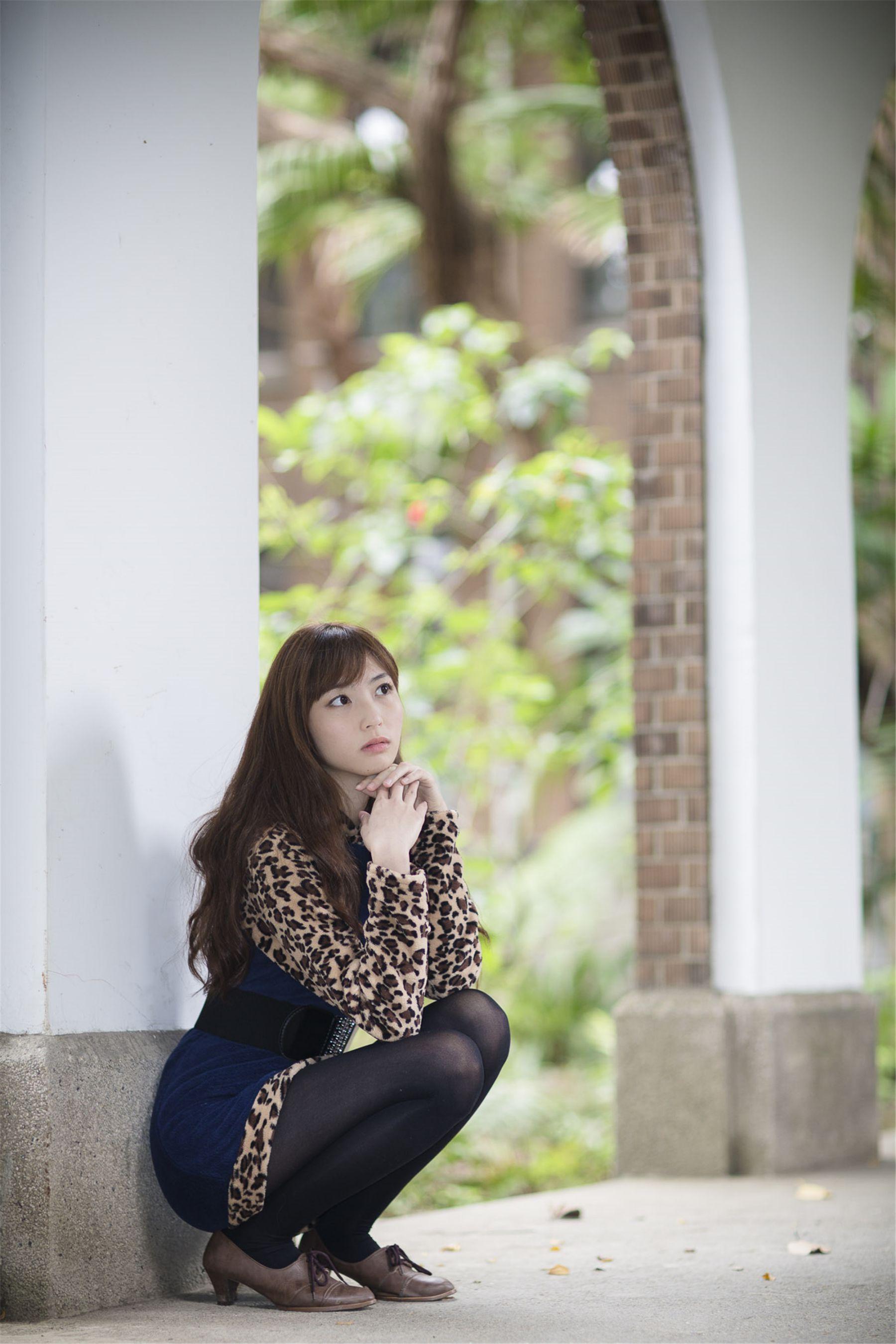 VOL.1762 [台湾正妹]清纯甜美正妹:艾薇高品质写真套图(17P)