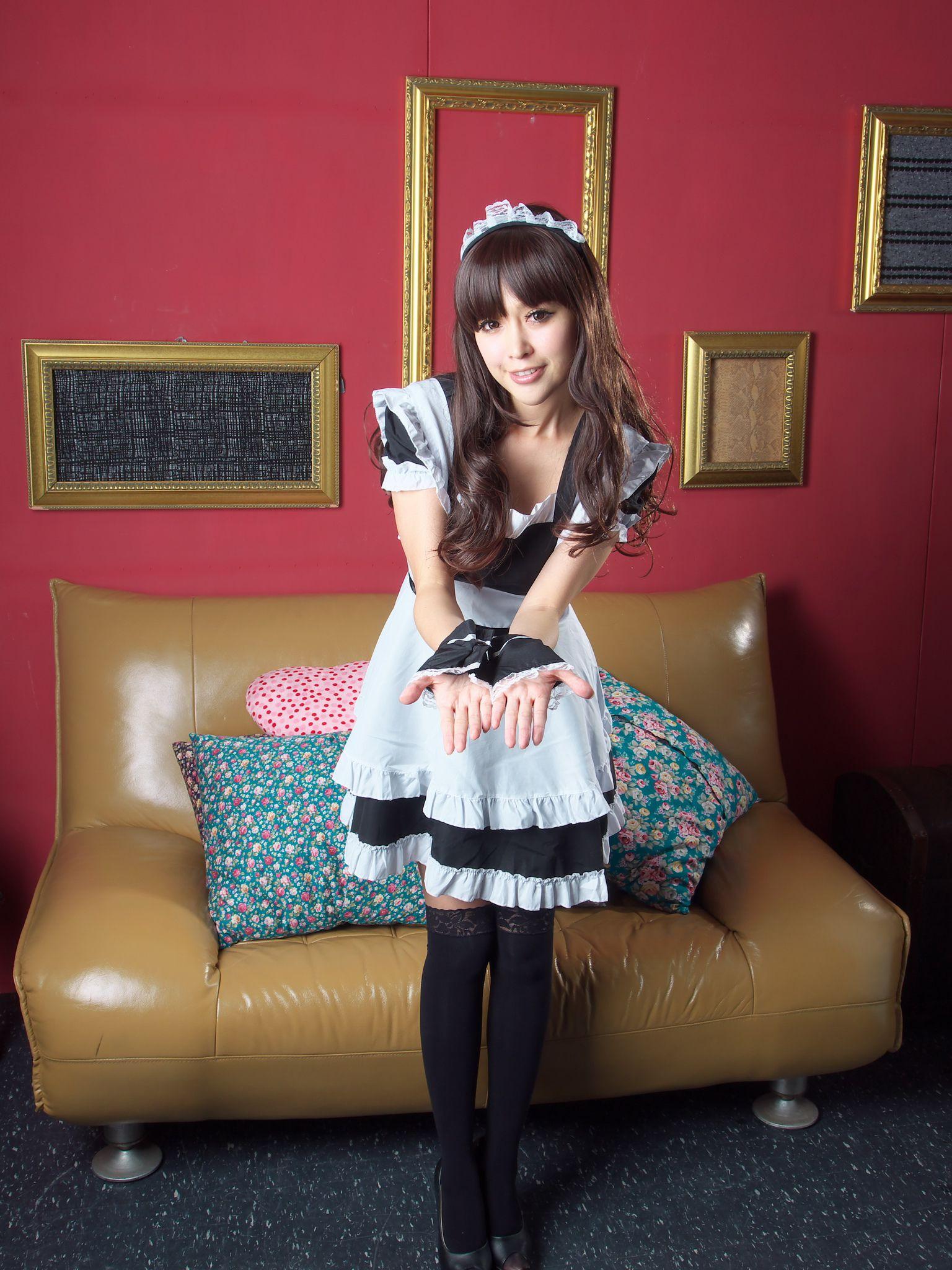 VOL.1514 [台湾正妹]长筒袜可爱女仆:杜可薇(腿模Avy,恬小鱼)高品质写真套图(35P)