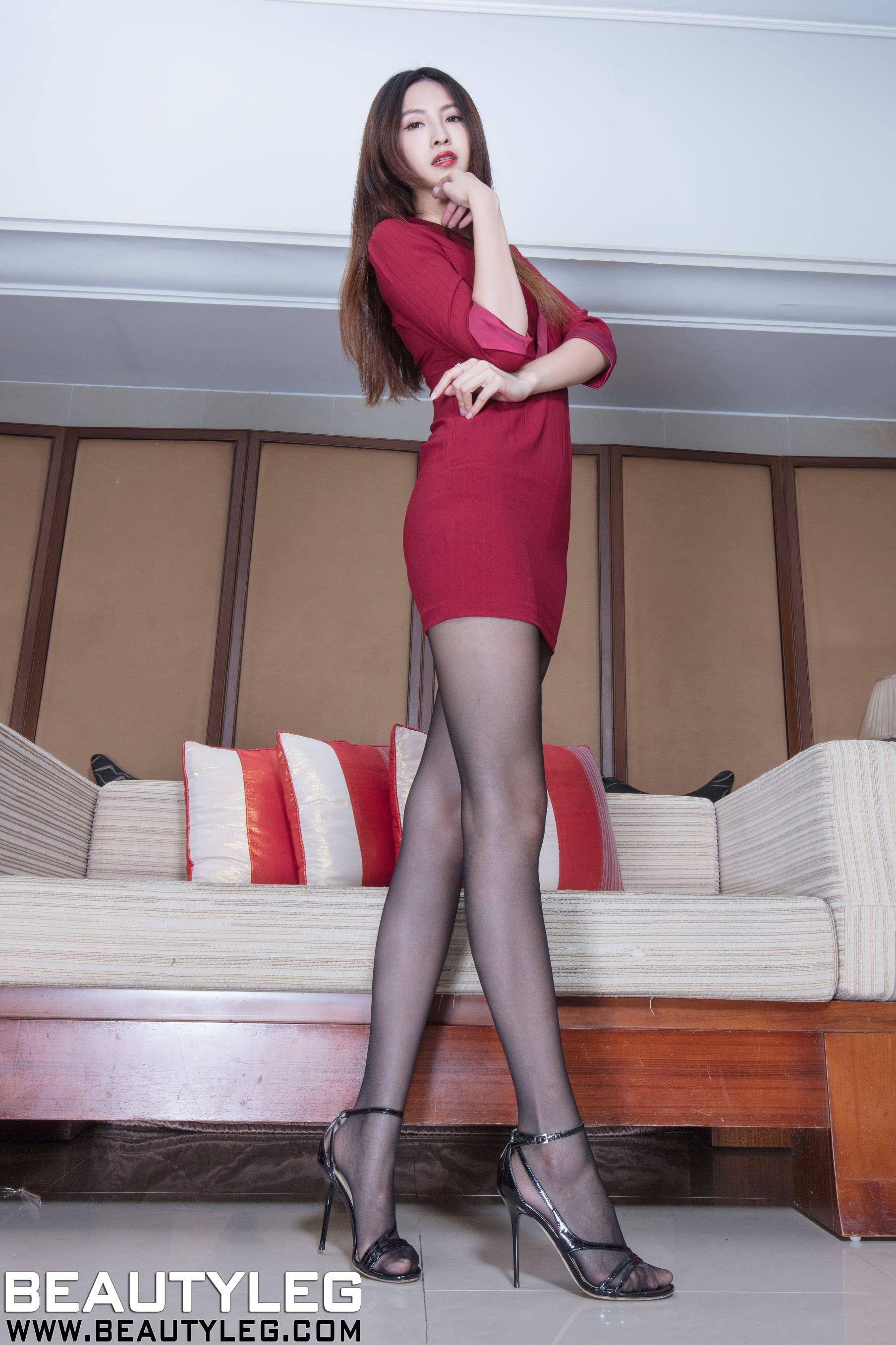 VOL.617 [Beautyleg]美腿包臀裙美女:简晓育(腿模Vicni,晓育儿)高品质写真套图(41P)