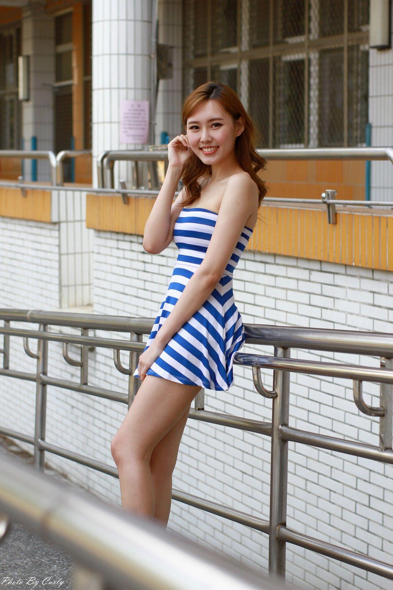 VOL.1172 [台湾正妹]长腿美女街拍短裙抹胸:郭珉妏(腿模Queenie)超高清个人性感漂亮大图(69P)