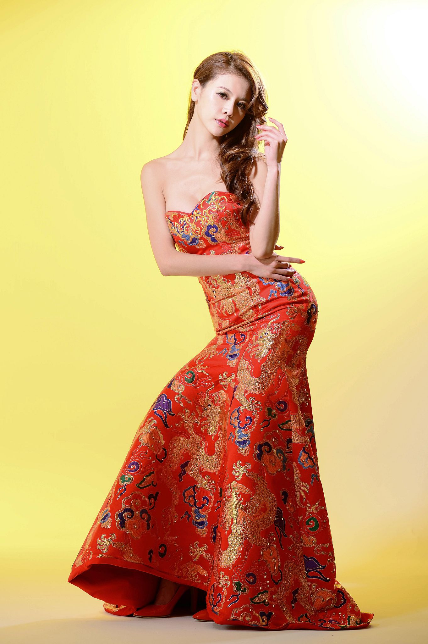 VOL.284 [台湾正妹]长裙气质古典优雅美女:黄雅倚(腿模Dennise)高品质写真套图(52P)
