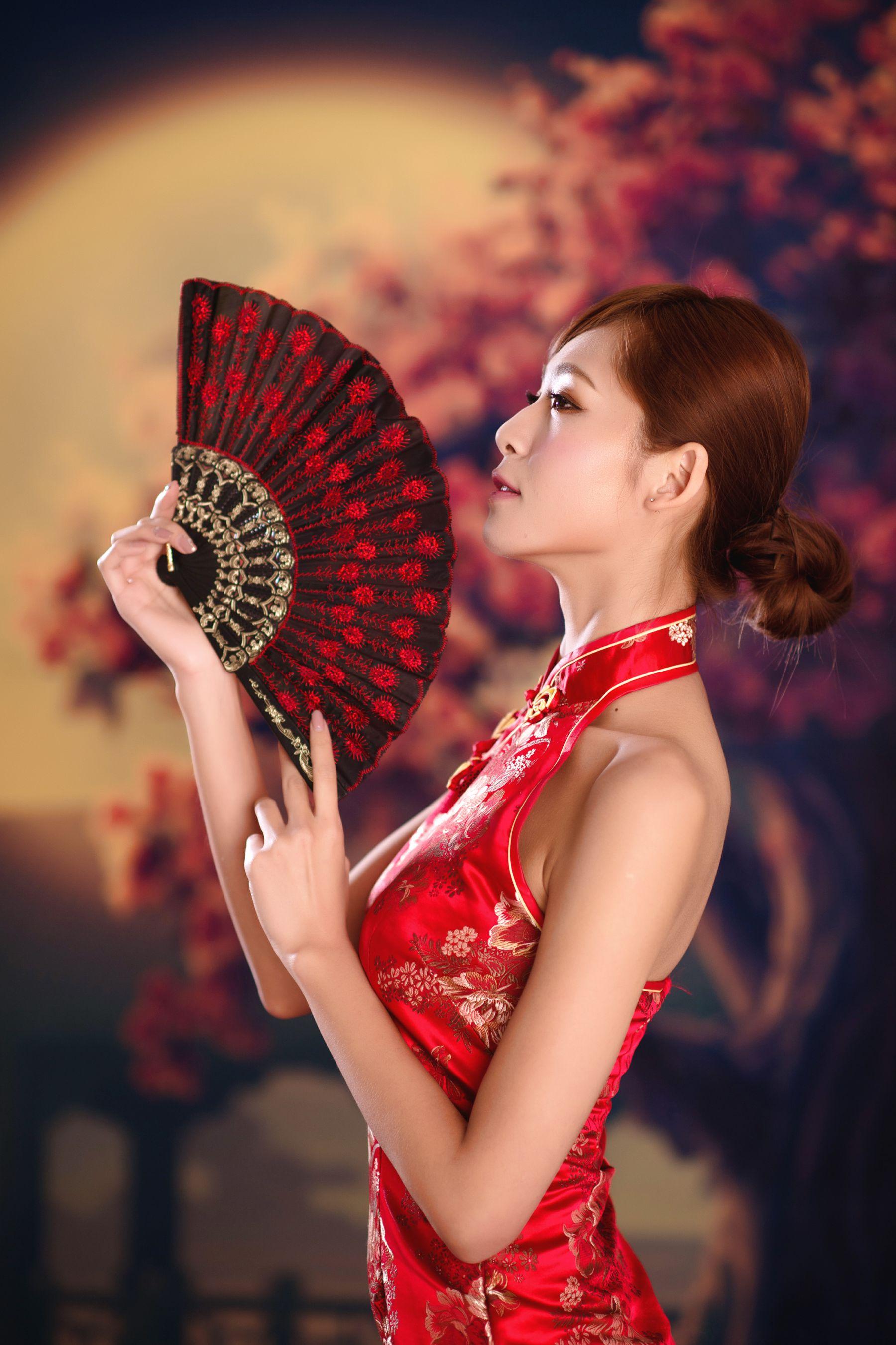 VOL.1760 [网络美女]古典旗袍优雅美女:Winnie小雪(庄咏惠,庄温妮,腿模Winnie)高品质写真套图(42P)