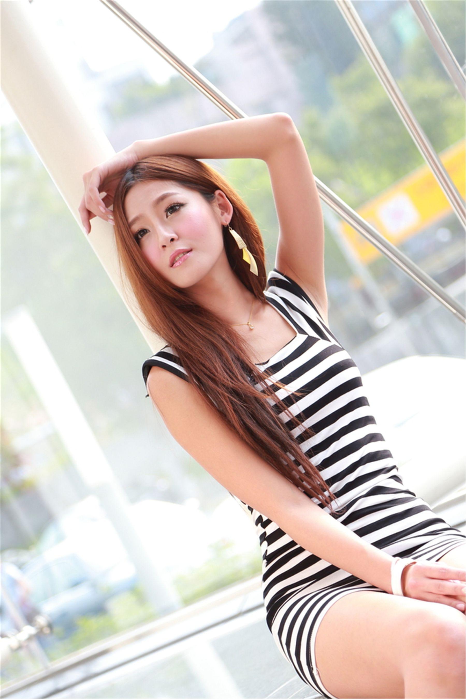 VOL.628 [台湾正妹]超短裙街拍包臀裙美女:Winnie小雪(庄咏惠,庄温妮,腿模Winnie)高品质写真套图(50P)