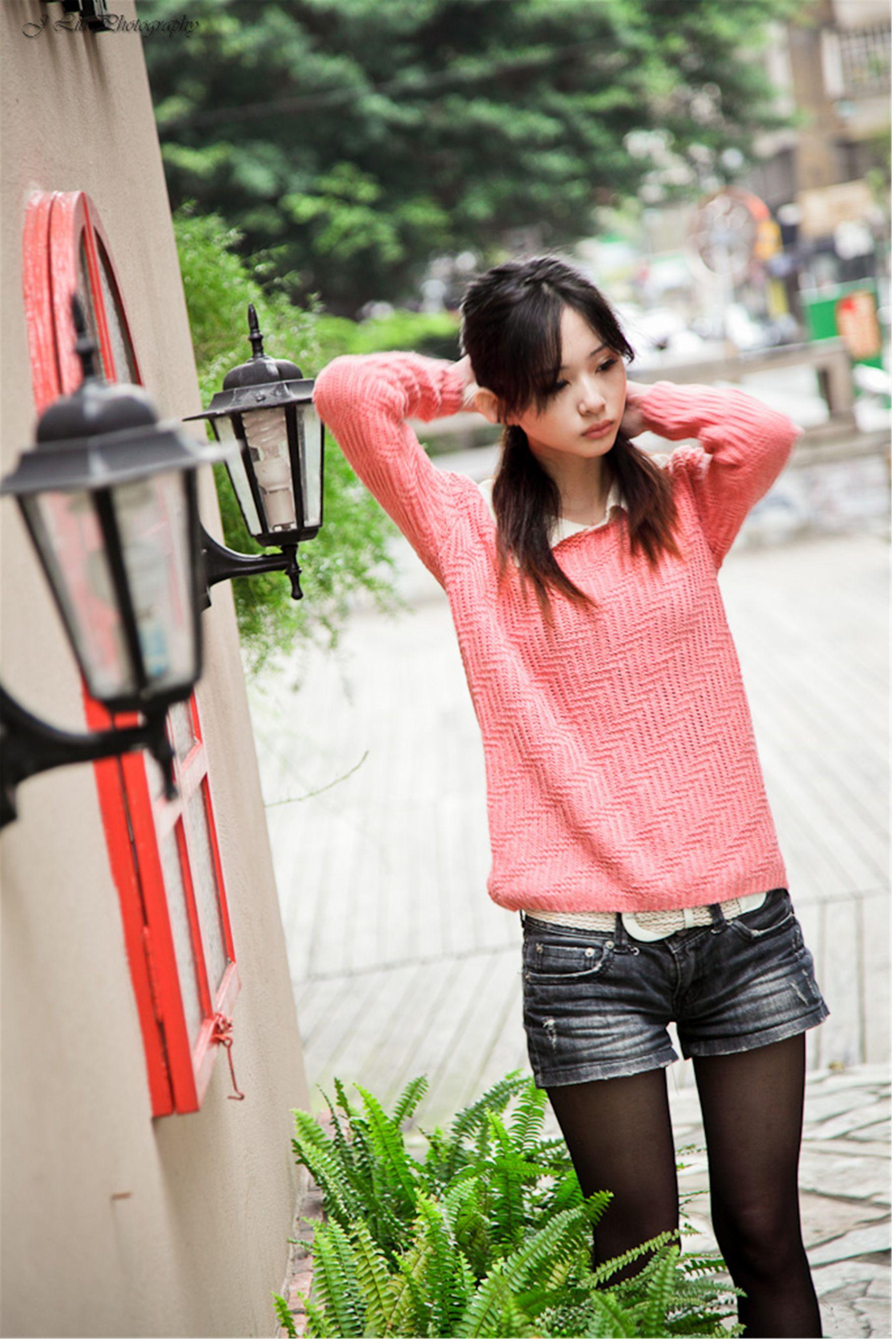 VOL.1580 [网络美女]清纯甜美外拍正妹:梅杜莎高品质写真套图(65P)