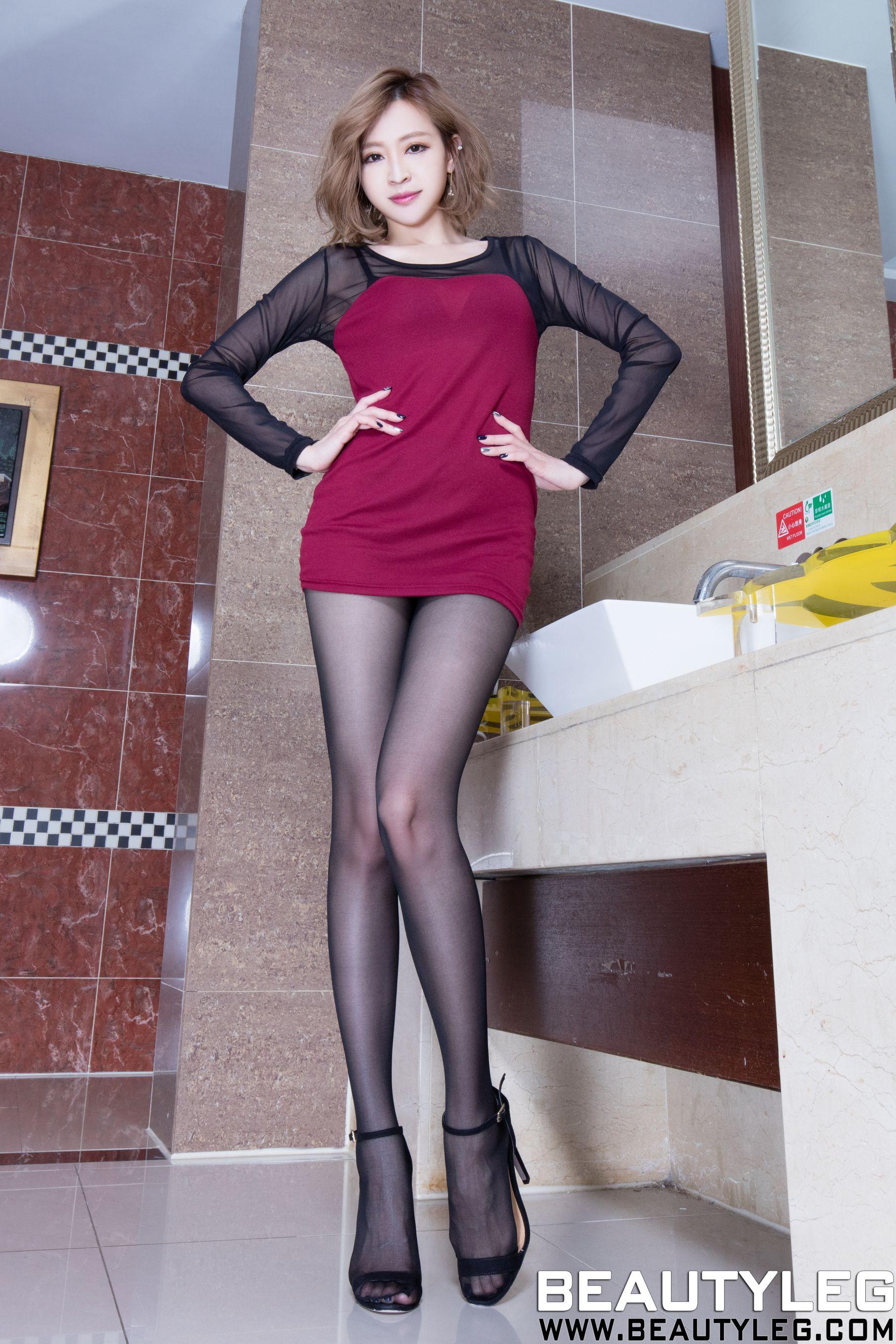VOL.314 [Beautyleg]丝袜美女制服美腿:倪千凌(腿模Lucy,陈佳筠)高品质写真套图(52P)