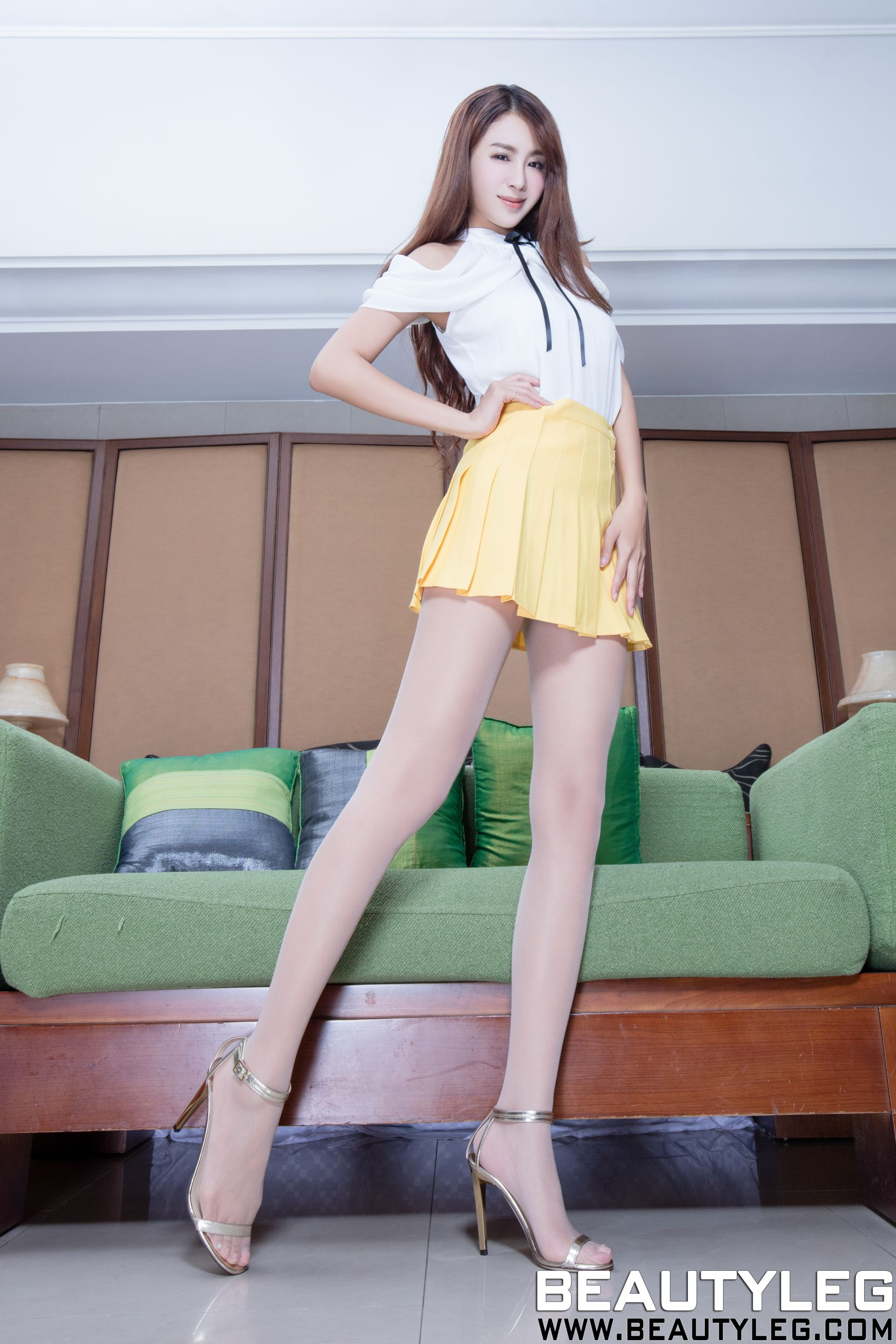 VOL.50 [Beautyleg]超短裙丝袜美腿:夏晴(夏晴Miso,腿模Miso)高品质写真套图(53P)
