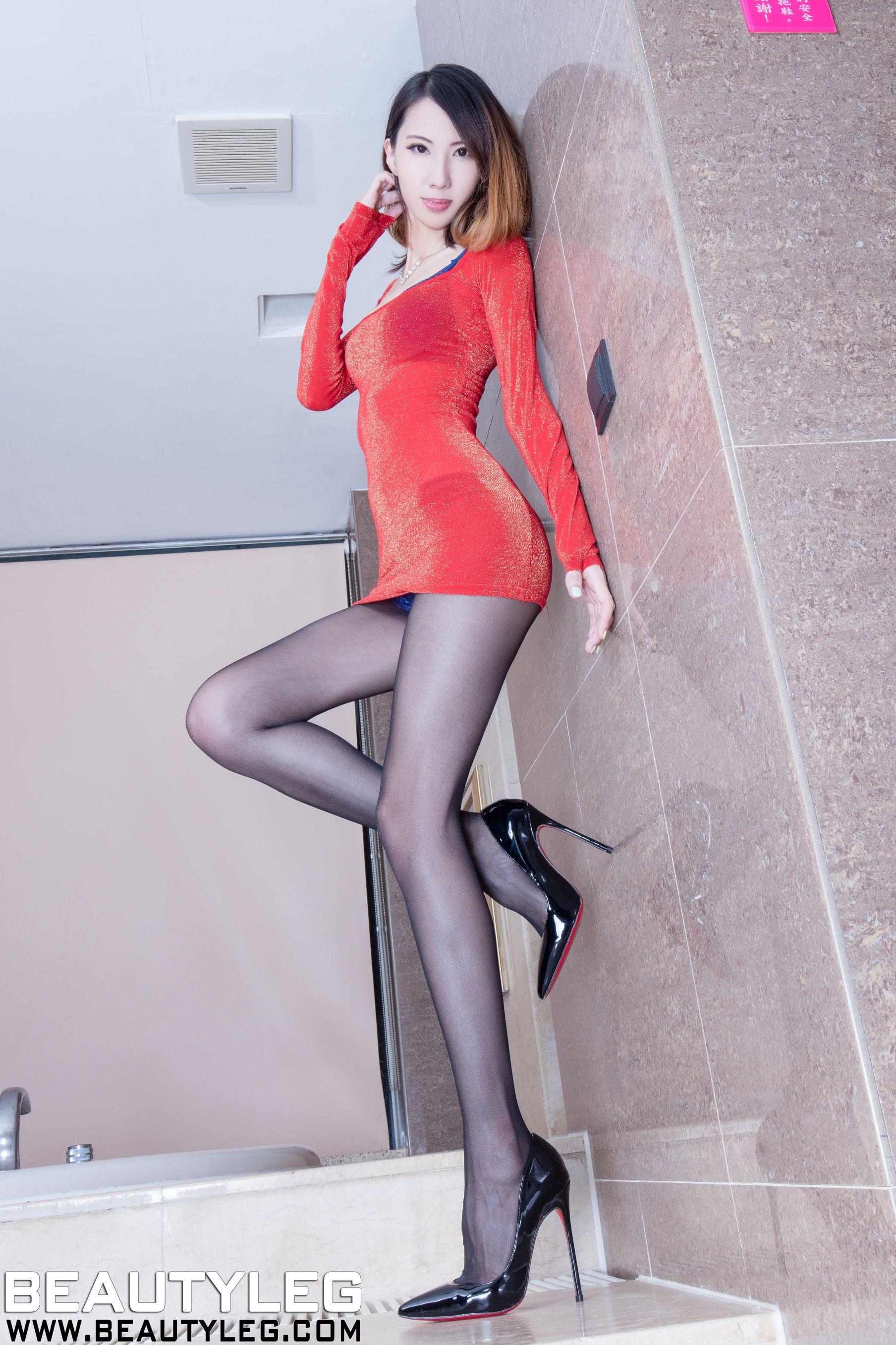 VOL.1062 [Beautyleg]丝袜美腿腿模长腿美女丝袜女郎:童采萱(Beautyleg Yoyo,腿模Yoyo)高品质写真套图(43P)
