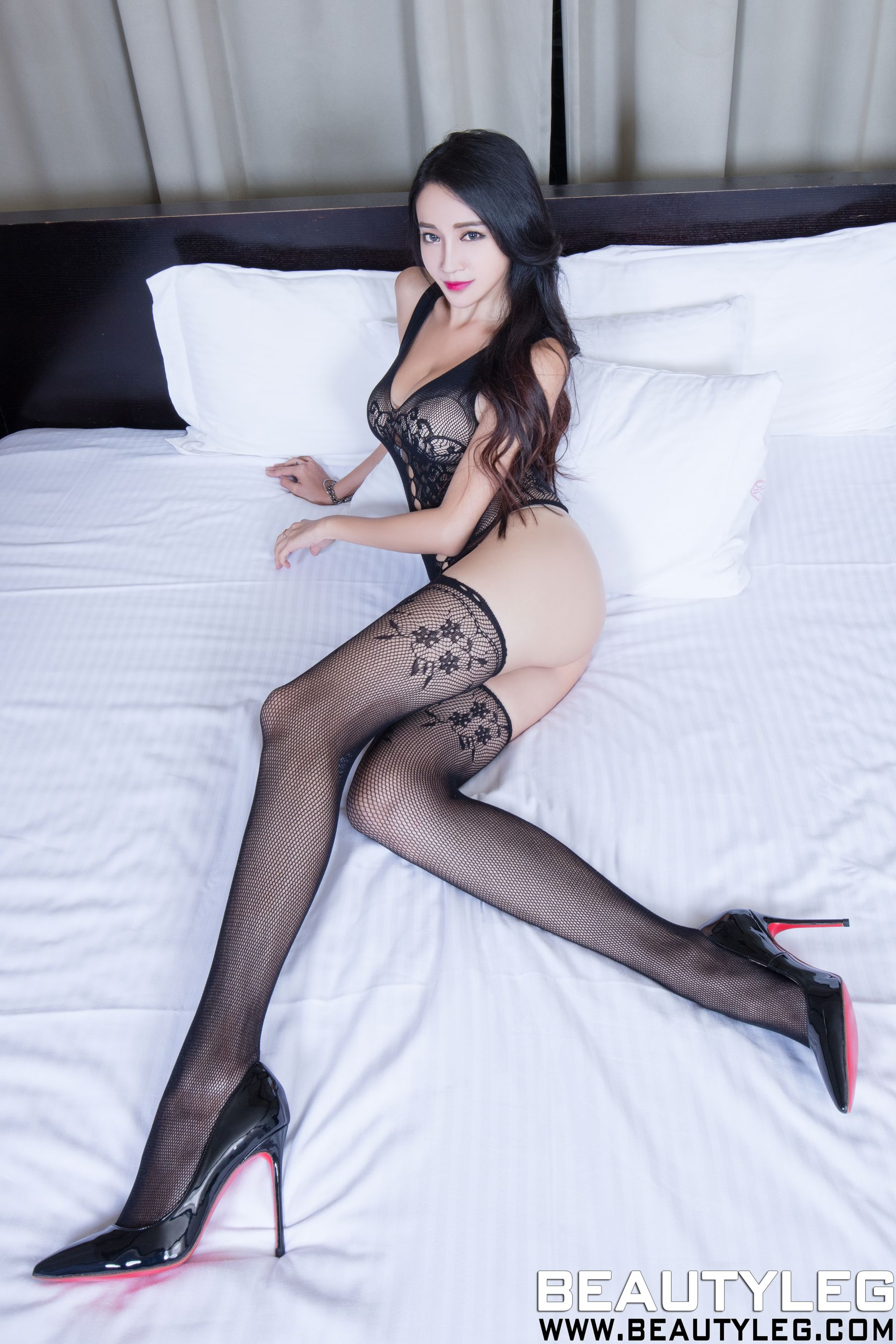 VOL.1585 [Beautyleg]丝袜美腿情趣丝袜:詹艾葳(腿模Avril,腿模Arvil)高品质写真套图(54P)