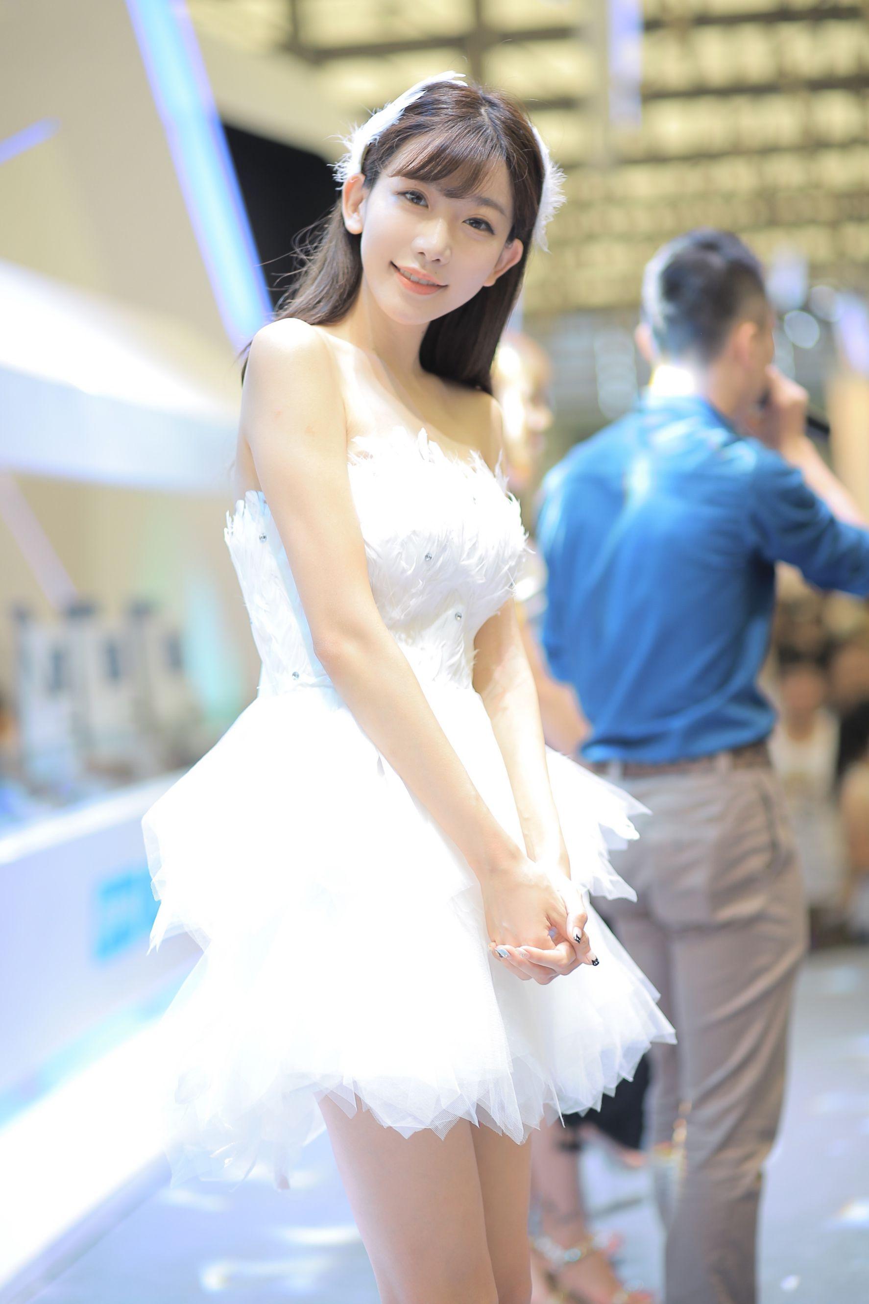 VOL.845 [台湾正妹]可爱正妹萌女:陈潇(小林志玲)高品质写真套图(96P)