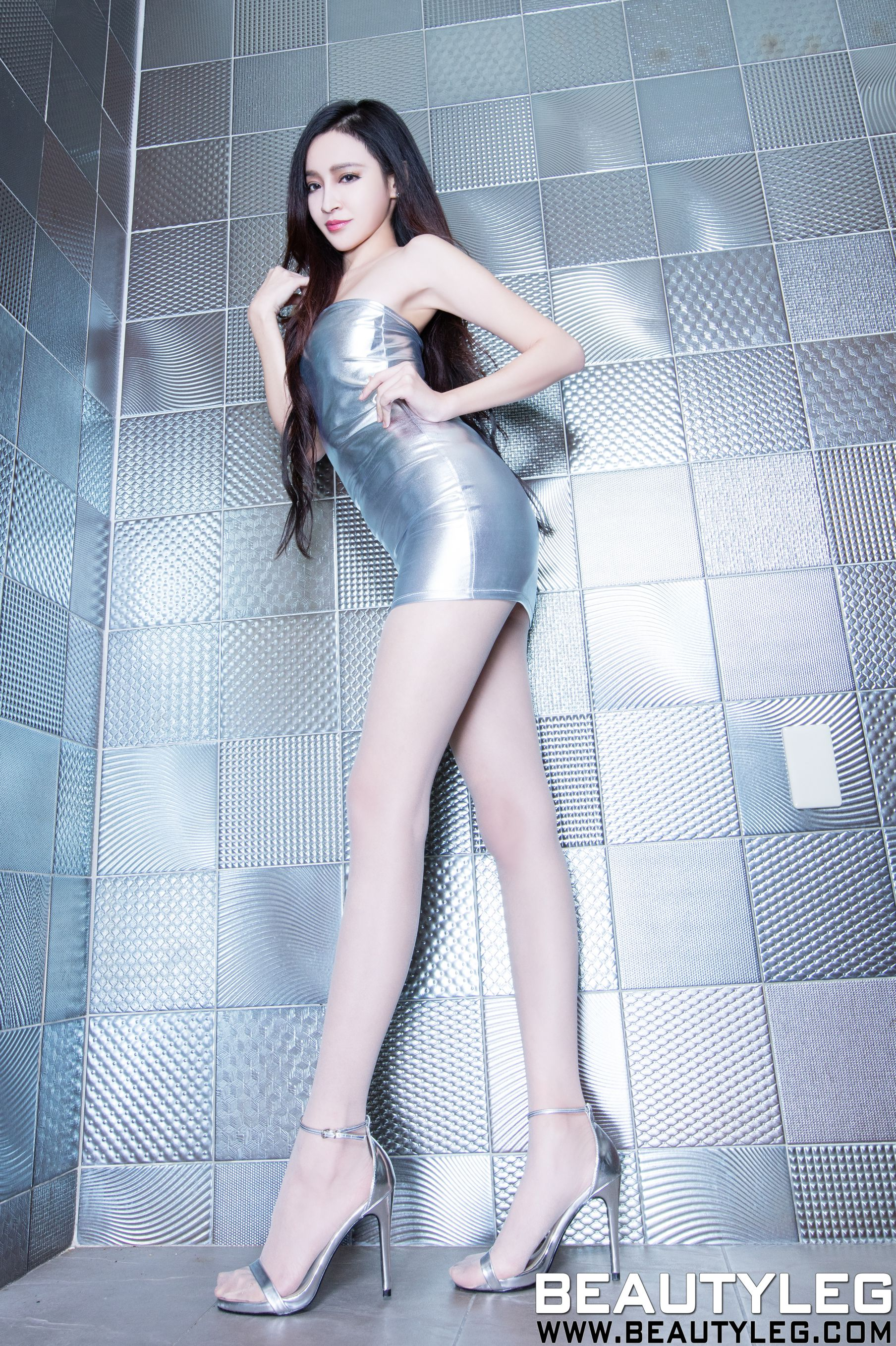 VOL.778 [Beautyleg]美腿肉丝袜:詹艾葳(腿模Avril,腿模Arvil)高品质写真套图(50P)