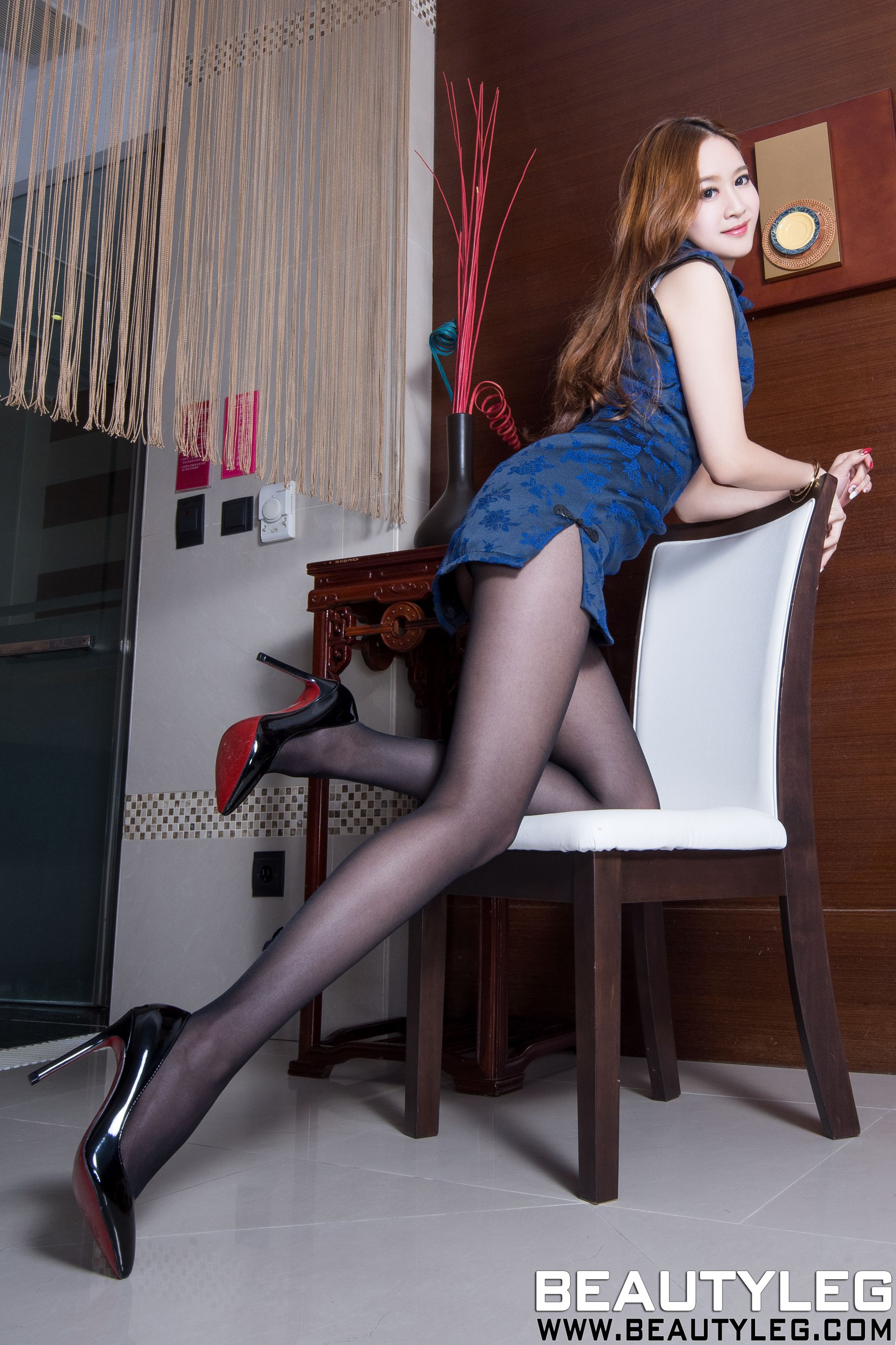 VOL.1761 [Beautyleg]吊带丝袜高跟美腿:康凯乐(腿模Kaylar)高品质写真套图(45P)