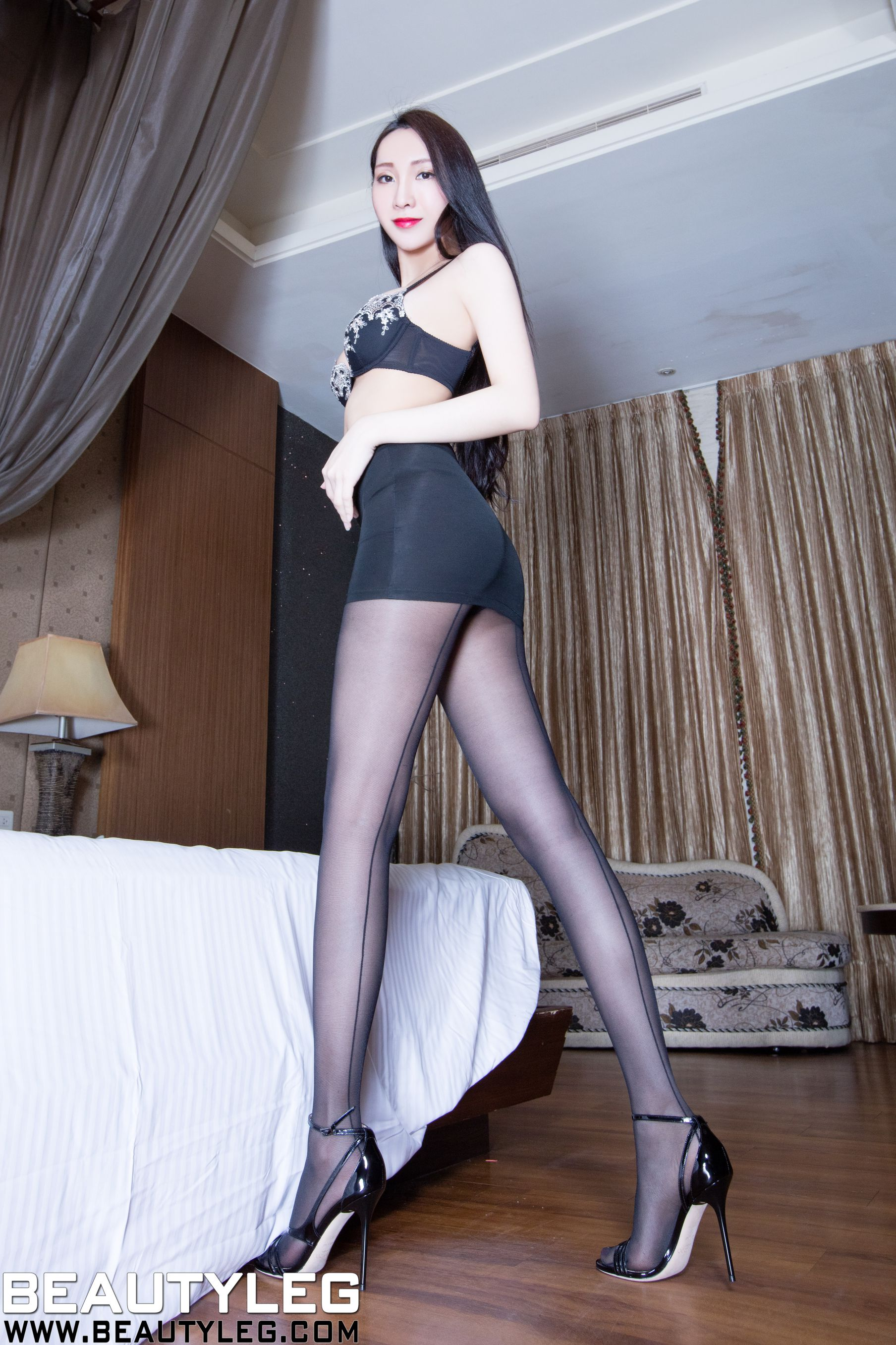 VOL.411 [Beautyleg]美腿黑丝:吴美希(腿模Miki)高品质写真套图(50P)