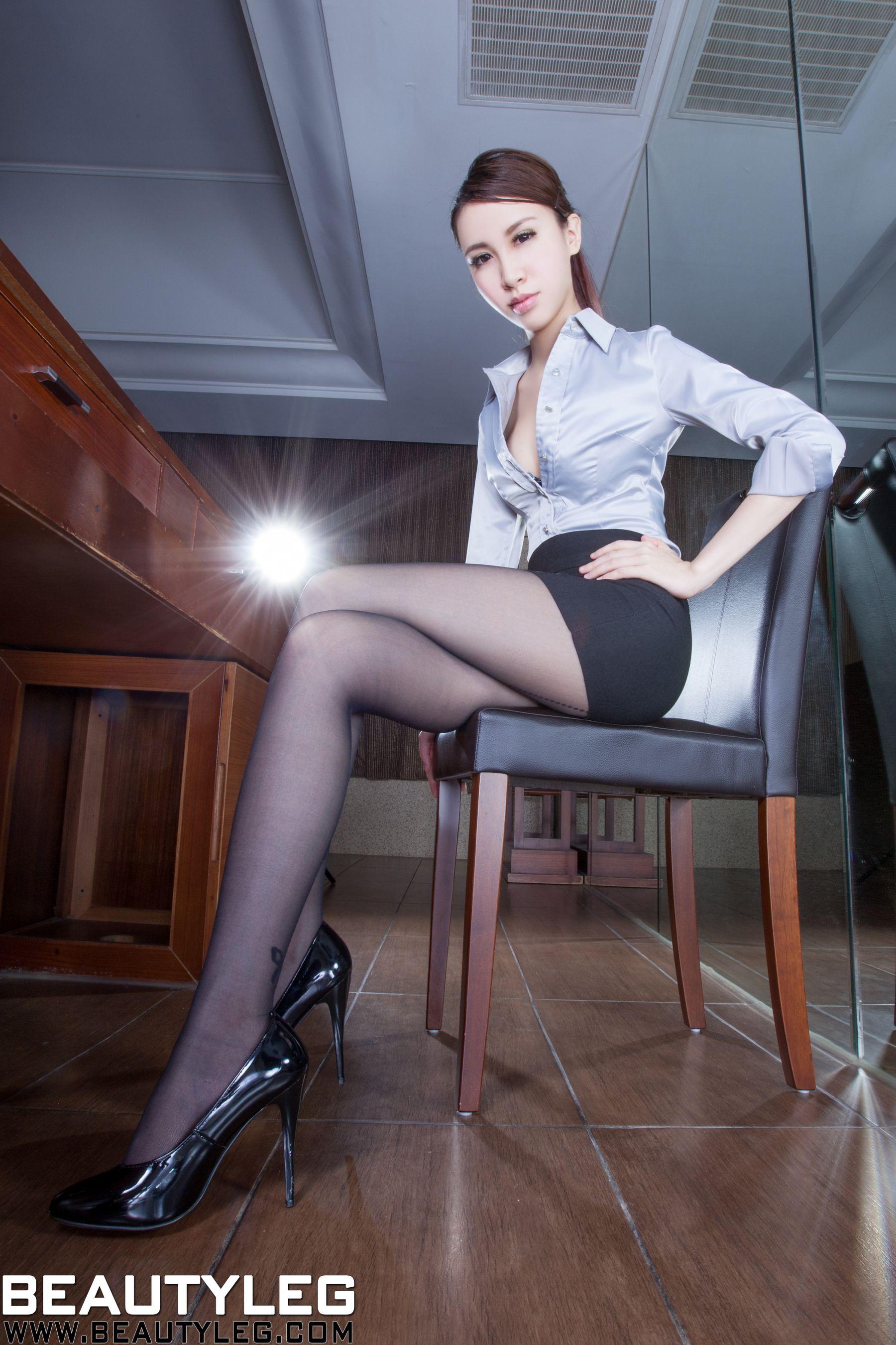 VOL.1005 [Beautyleg]办公室美腿黑丝:崔多朵(崔德蓉,腿模Stephy)高品质写真套图(50P)