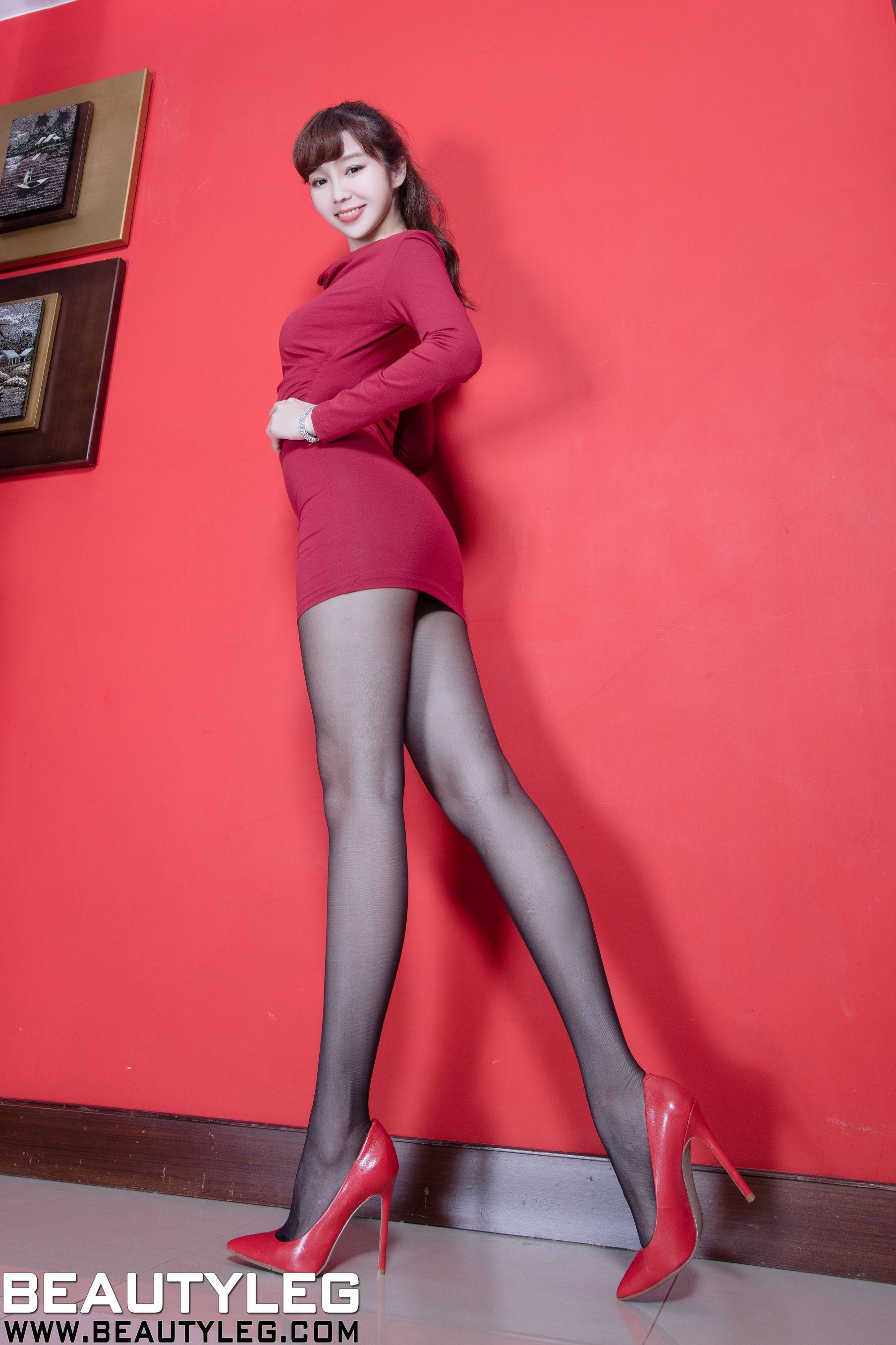 VOL.1798 [Beautyleg]白丝高跟美腿:陈蕴予(腿模Tammy,小予儿)高品质写真套图(44P)