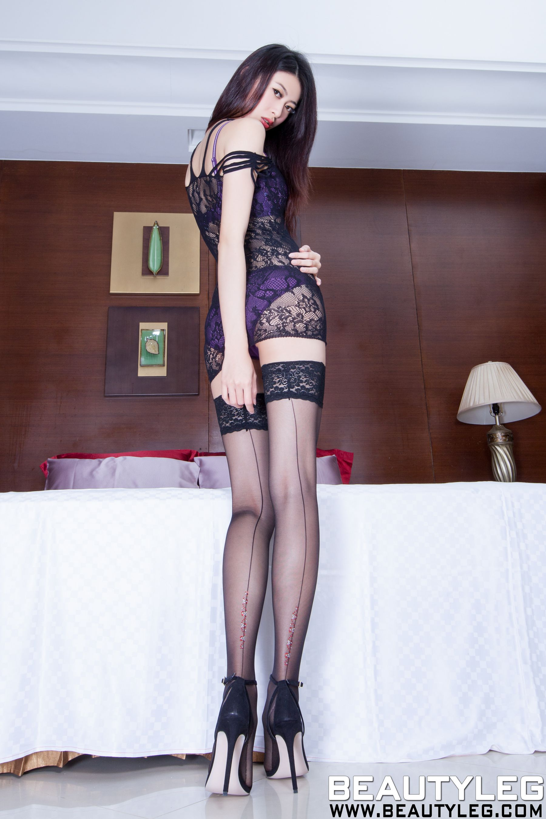 VOL.1293 [Beautyleg]丝袜美腿黑丝网衣:蔡茵茵(腿模Flora)高品质写真套图(48P)