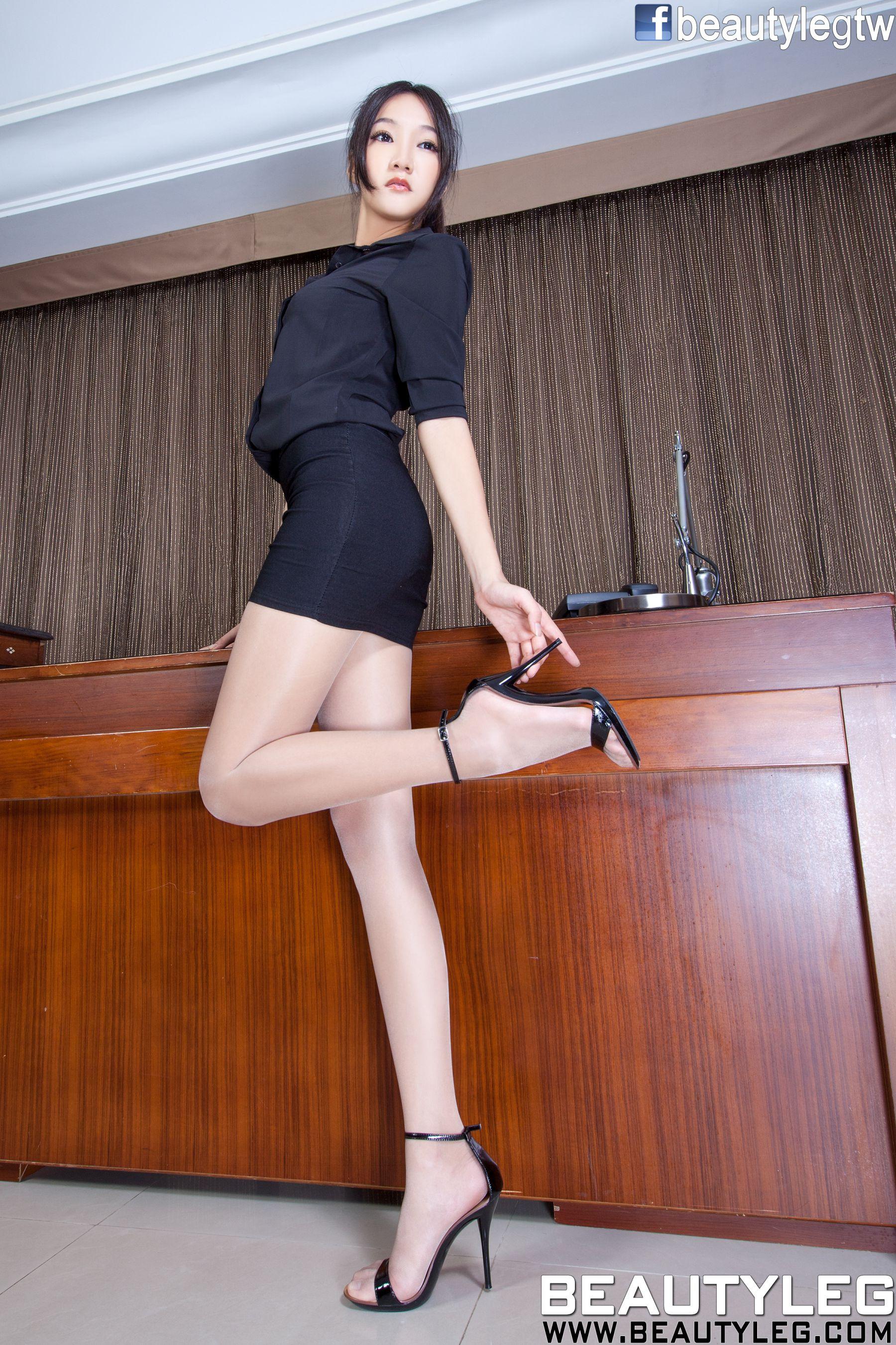 VOL.132 [Beautyleg]美腿:陈思婷(腿模Tina,李霜)高品质写真套图(51P)