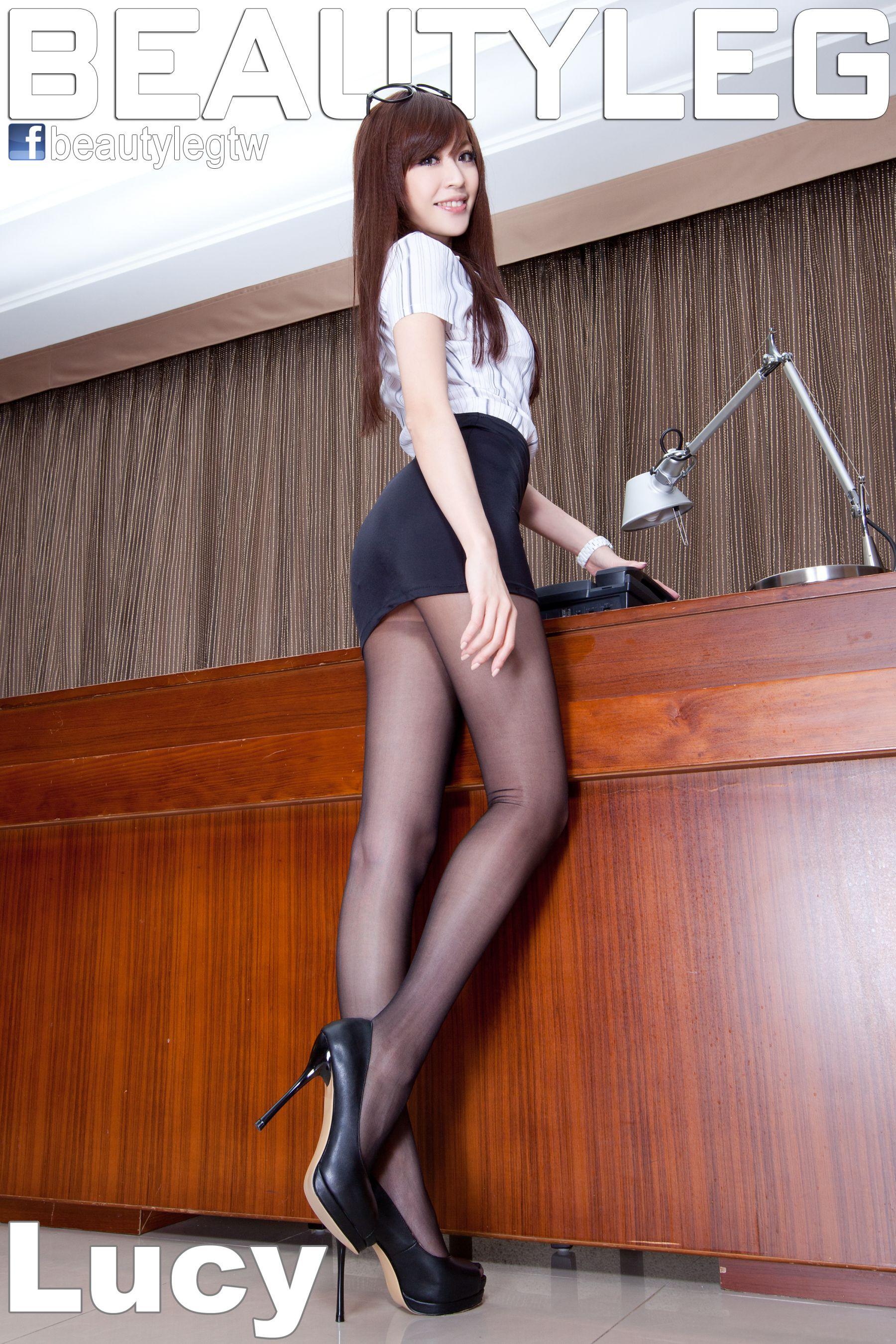 VOL.1389 [Beautyleg]办公室美腿包臀裙美女黑丝制服:倪千凌(腿模Lucy,陈佳筠)高品质写真套图(52P)