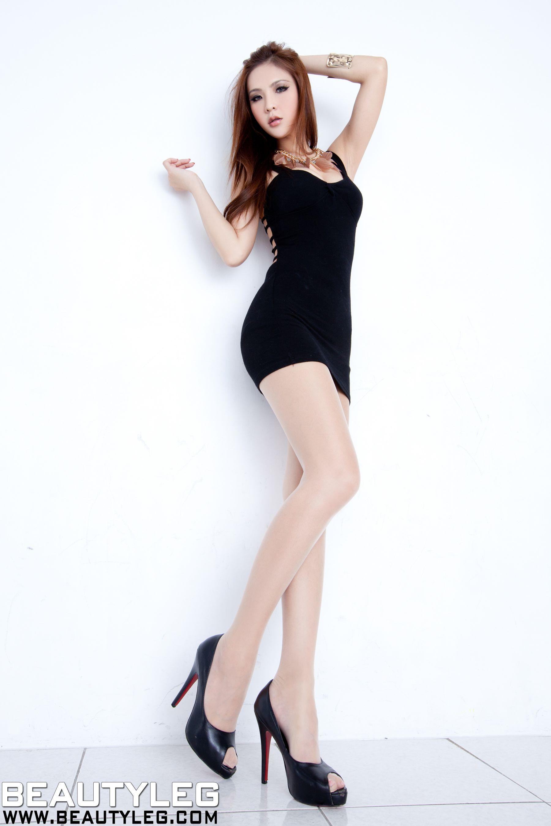 VOL.1820 [Beautyleg]高跟美腿:腿模Alie高品质写真套图(34P)