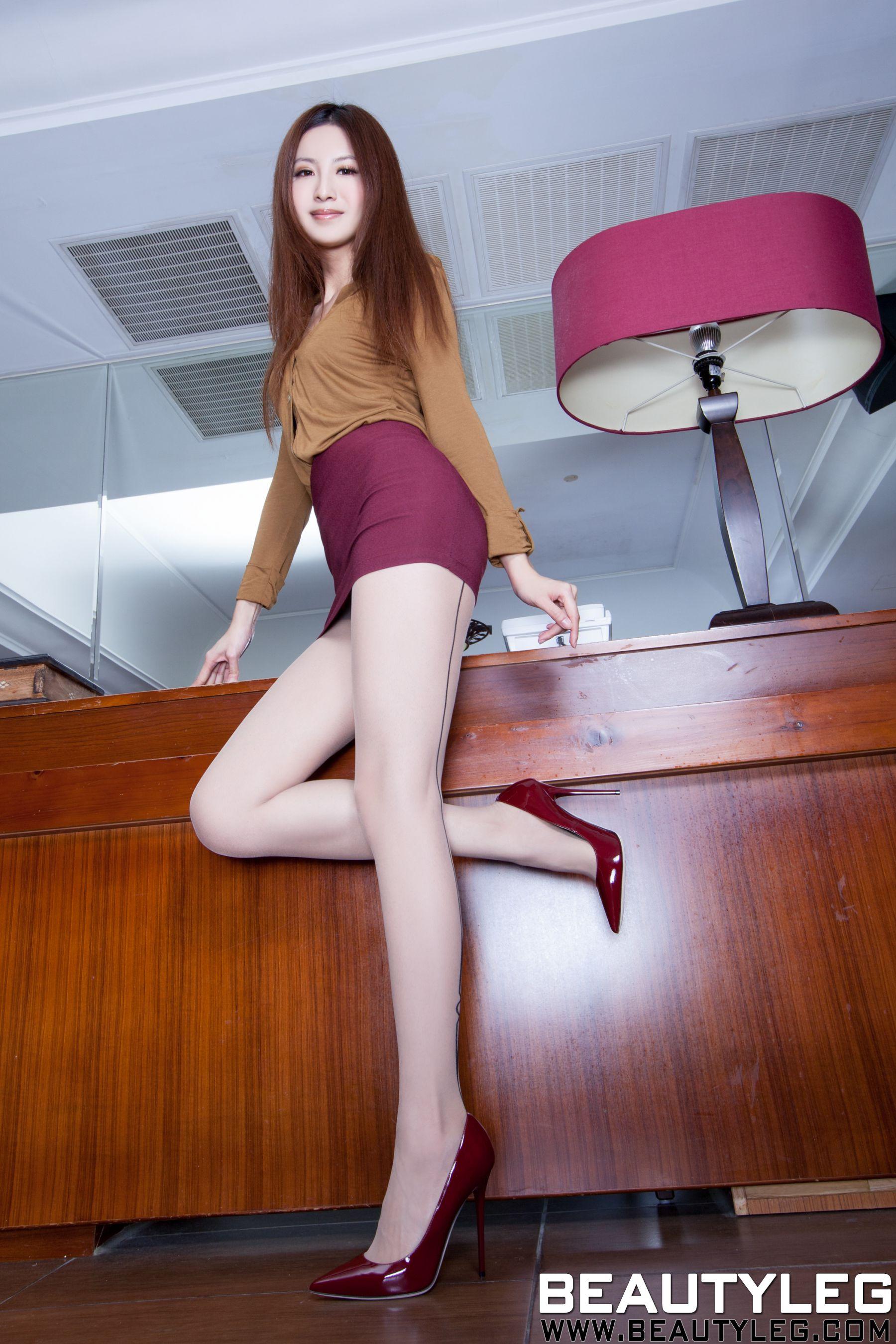 VOL.1707 [Beautyleg]美腿:简晓育(腿模Vicni,晓育儿)高品质写真套图(54P)