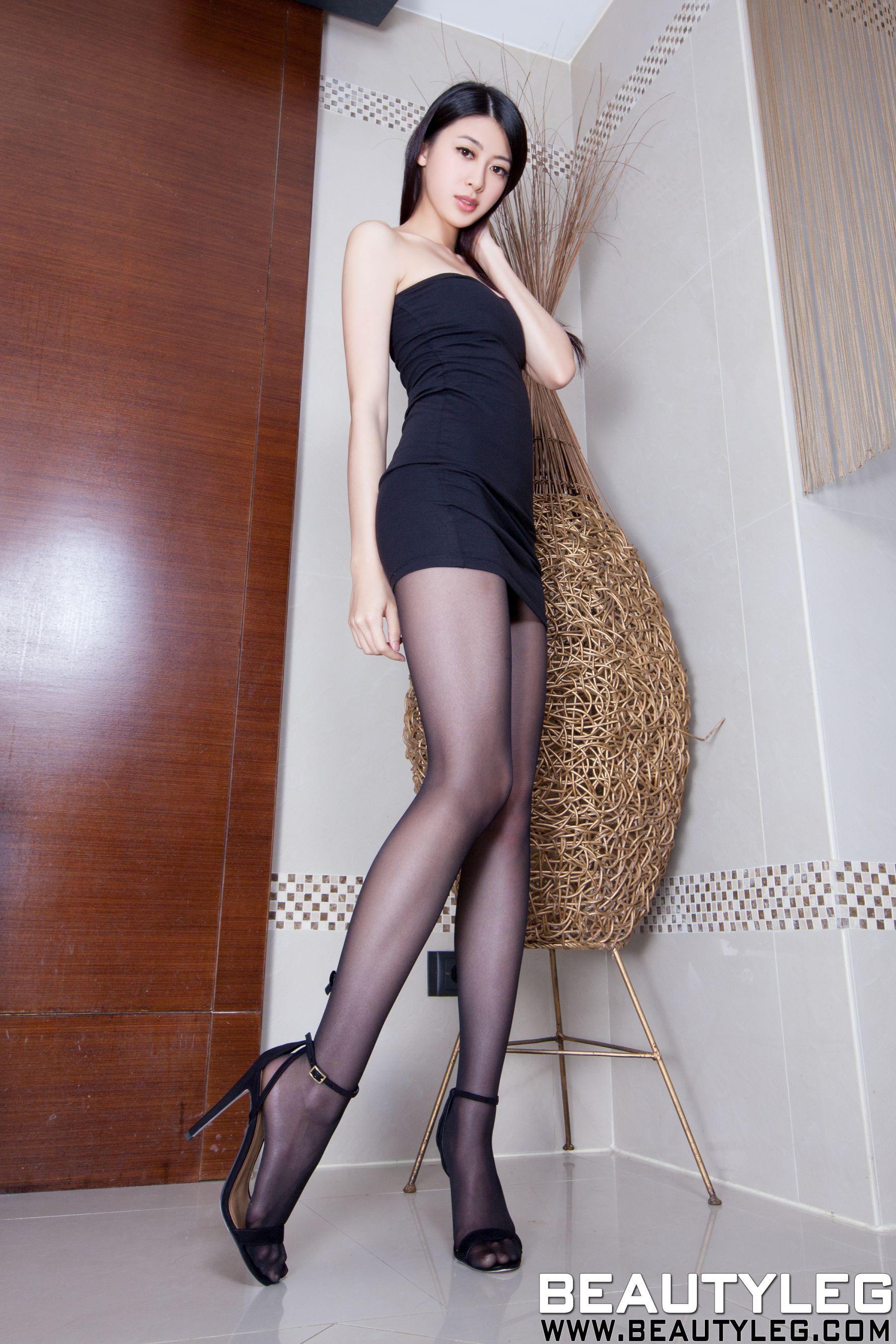 VOL.321 [Beautyleg]美腿白丝高跟凉鞋长腿美女:蔡茵茵(腿模Flora)高品质写真套图(41P)