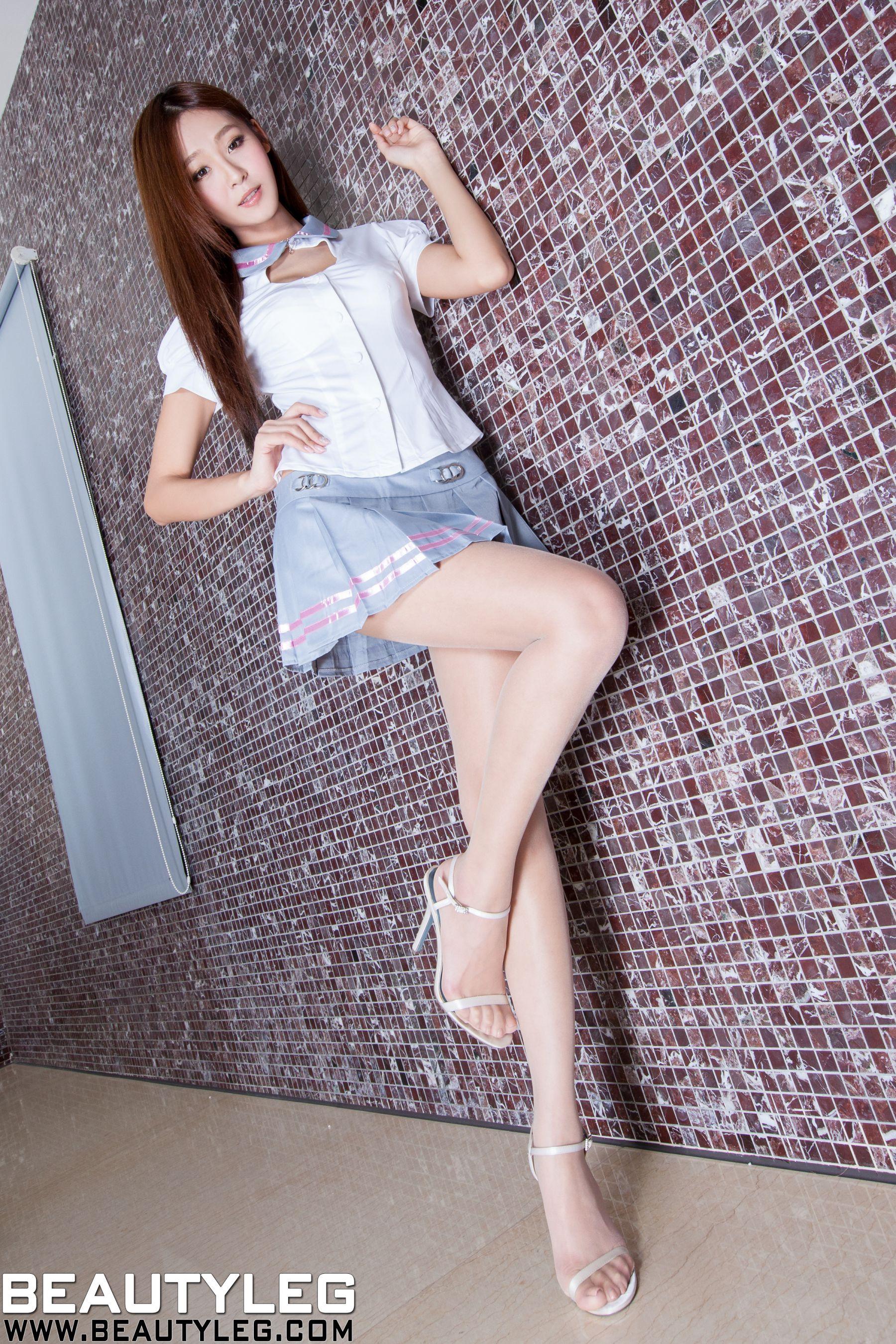 VOL.1436 [Beautyleg]校服美腿:Winnie小雪(庄咏惠,庄温妮,腿模Winnie)高品质写真套图(53P)