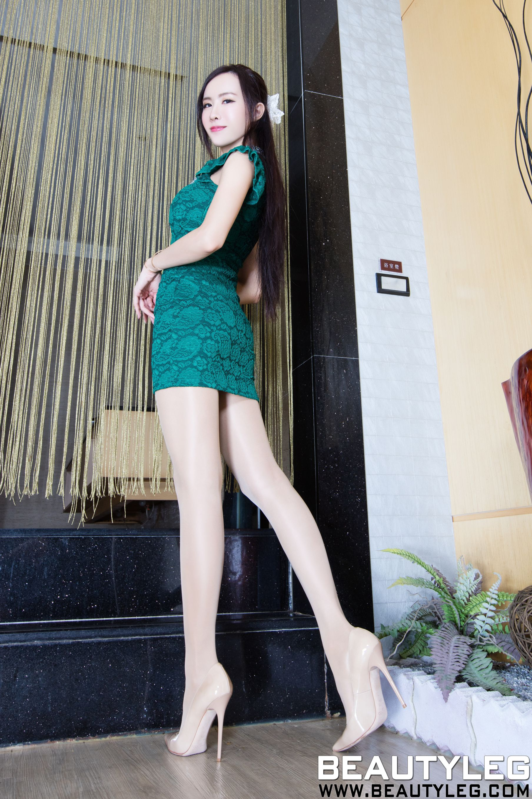 VOL.1510 [Beautyleg]高跟凉鞋长腿美女:曾妍希(腿模Dora)高品质写真套图(42P)